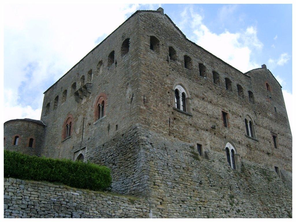 Prunetto turismo in langa piemonte langhe roero tour percorsi itinerari turistici  castello.jpg