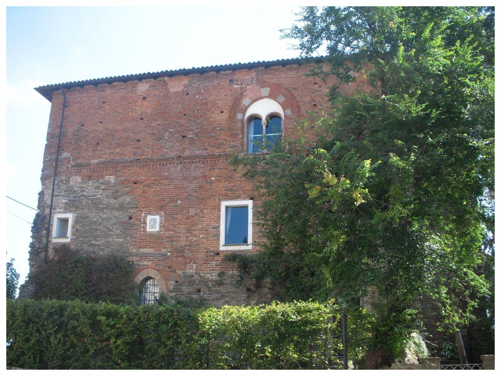 rocca cigliè piemonte castello langhe roero turismo.jpeg