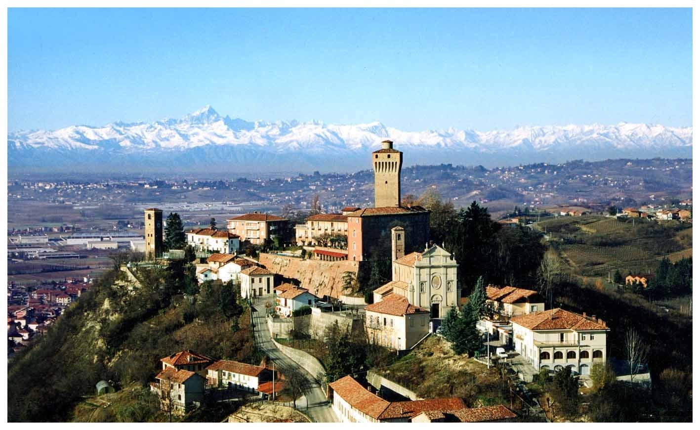 SANTA VITTORIA D'ALBA  LANGHE ROERO PIEMONTE VIGNETI CASTELLO TOUR .jpg
