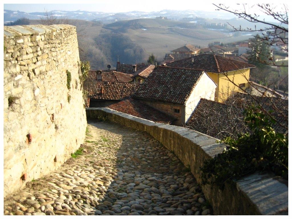 serralunga d'alba langhe roero piemonte turismo cosa vedere storia.jpg