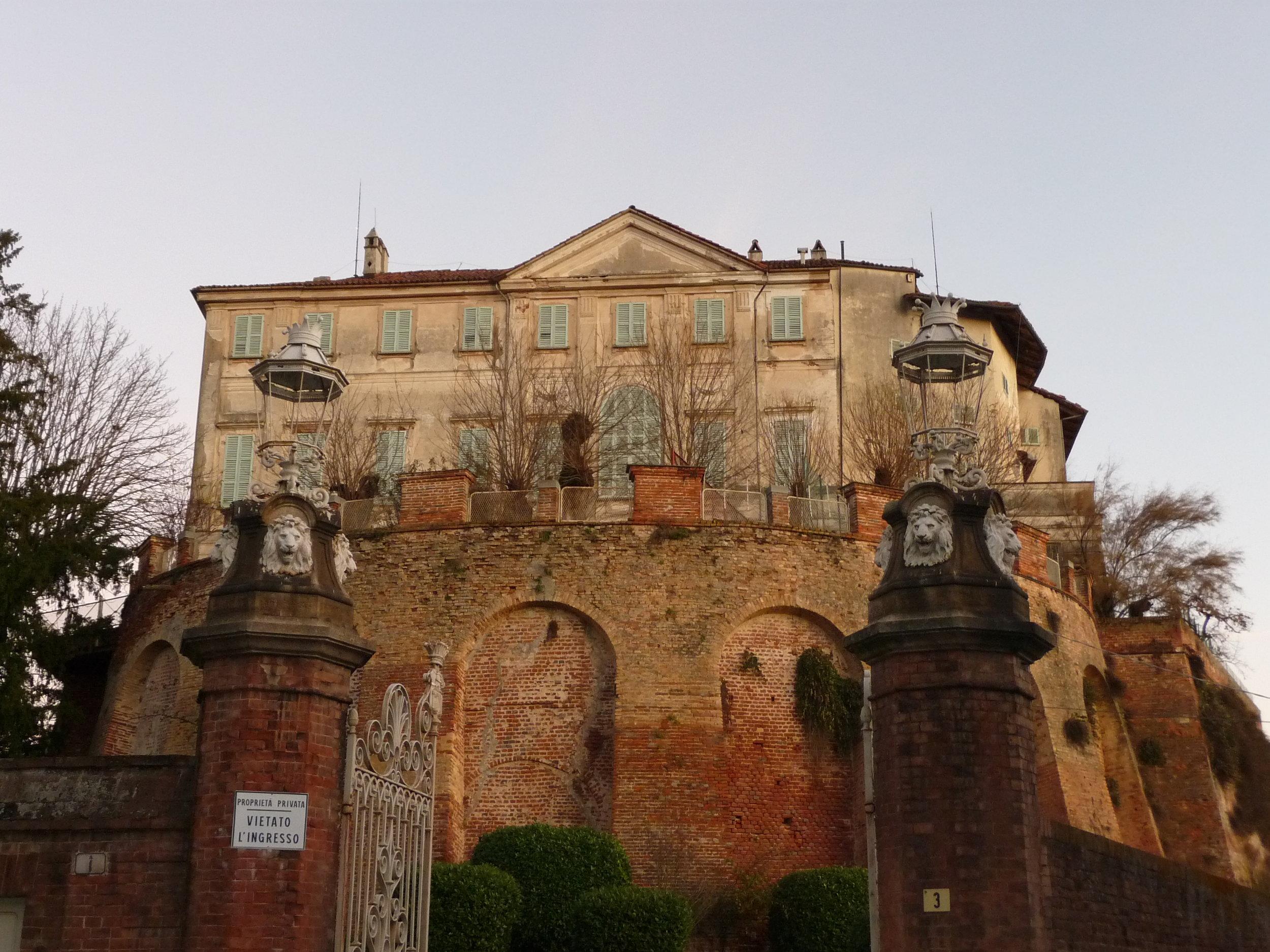 SOMMARIVA PERNO LANGHE ROERO PIEMONTE TURISMO TOUR PERCORSI TURISTICI  COSA VEDERE.jpg