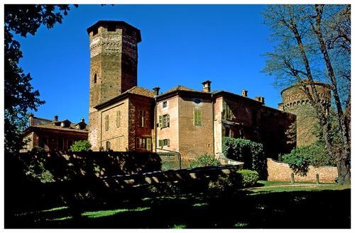 castello SOMMARIVA BOSCO LANGHE ROERO.jpg