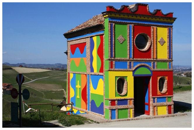 la cappella del barolo chiesa colorata langhe .jpg
