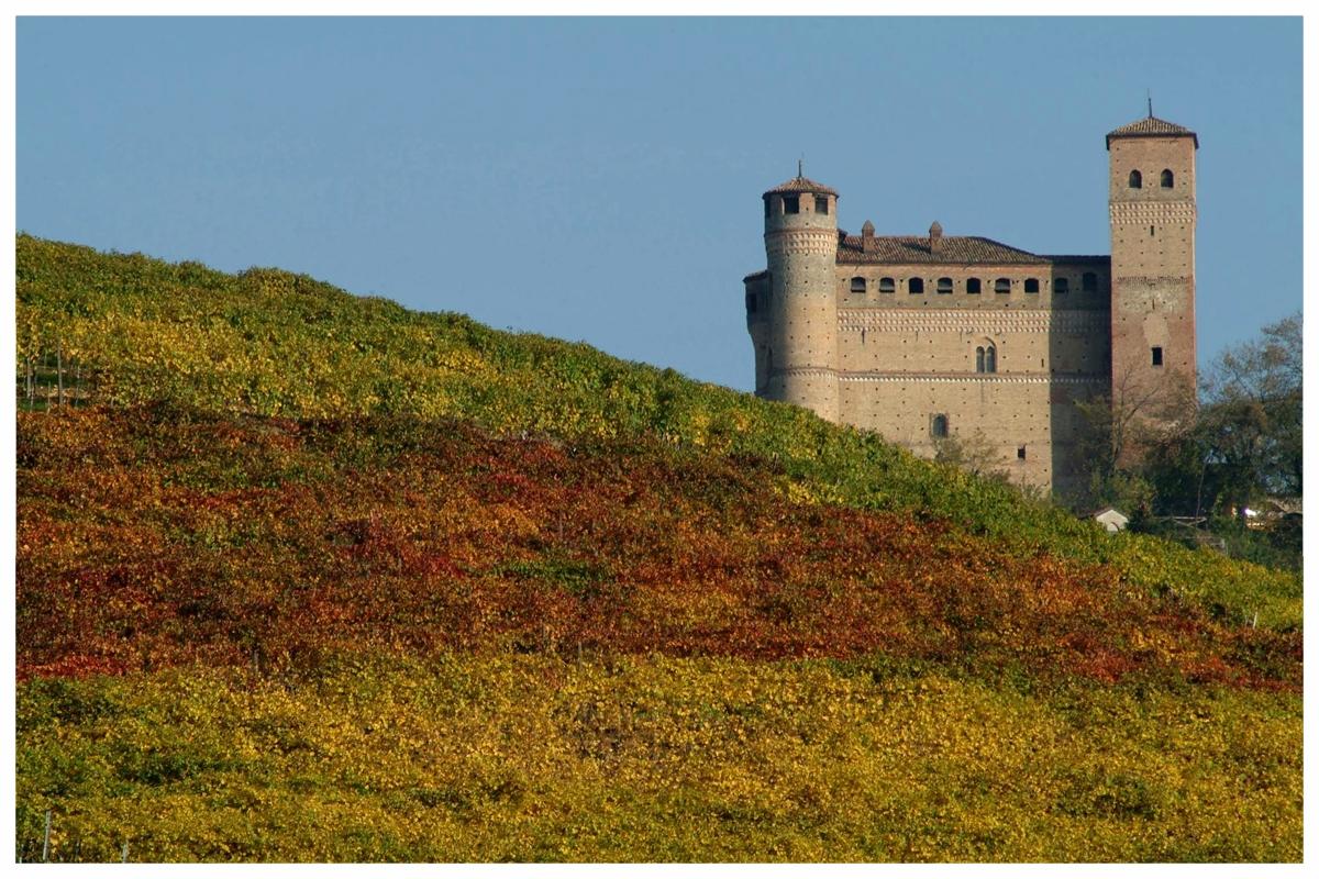 castello di serralunga alba langhe roero percorsi .jpg