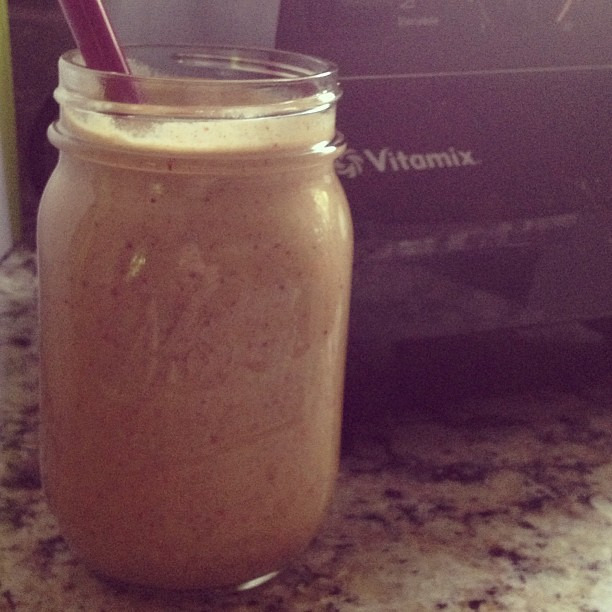 #Cleanse day 5 // peach apple cobbler smoothie @cleanprogram #smoothie @vitamix