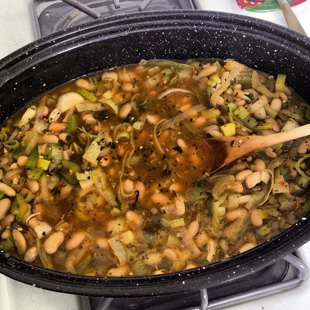 Whipping up some braised white beans and leeks from @sproutedkitchen #nomnomnom #myfave #vegetarian