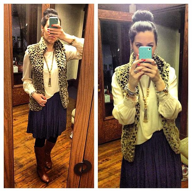 {Blues} with a side of leopard #ootd #wiw #stelladotstyle #sockbun #fur