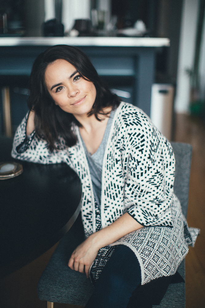 with Kathlyn Hart: - Kathlyn Hart is a salary negotiation coach on a mission to help women earn more. Through her coaching, speaking and online negotiation bootcamp
