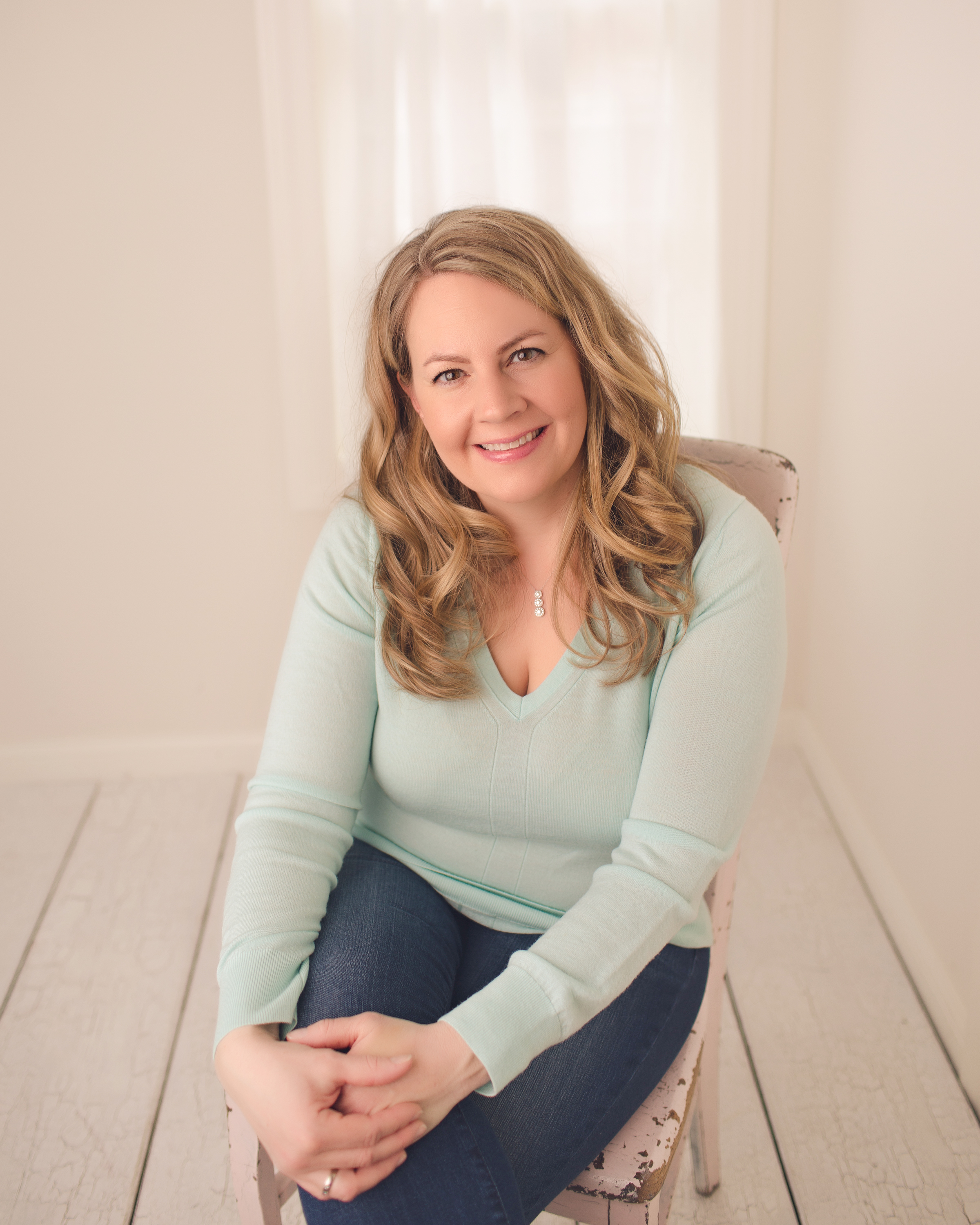 """Today's Guest: Becky """"Clean Mama"""" Rapinchuk - Becky Rapinchuk is known as """"Clean Mama."""" She's a cleaning and homekeeping expert, business owner and author of the books, Clean Mama's Guide to a Healthy Home, 2019, Simply Clean, 2017, The Organically Clean Home, 2014. She's also a wife and mom to three, a business owner, and a former art teacher. Her blog helps people discover new ways to do the mundane tasks of homekeeping and to bring a little more fun into the process. She's been featured everywhere from Oprah Magazine to Good Housekeeping and more."""