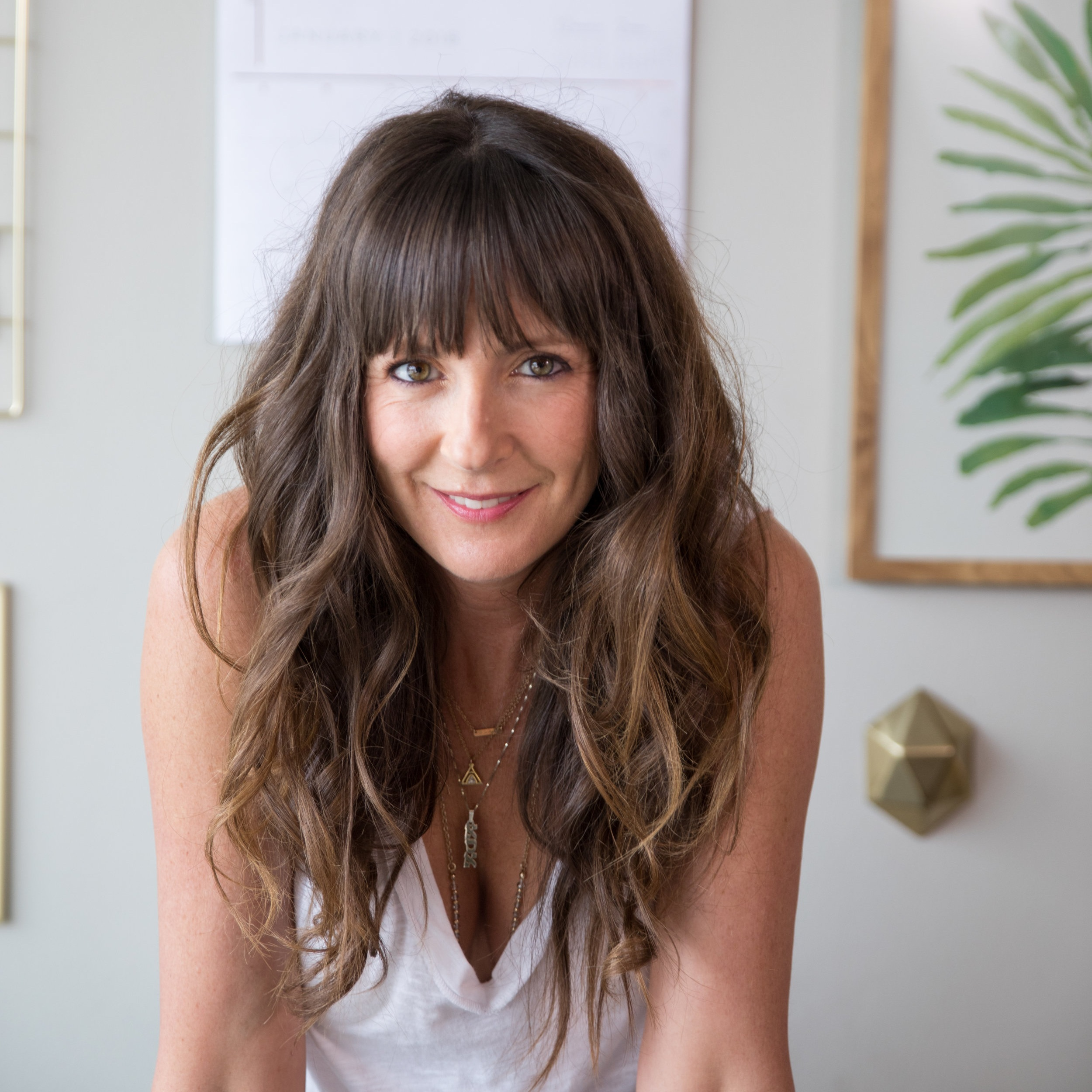 Today's guest: Tristan Coopersmith - Tristan Coopersmith is a licensed psychotherapist based in California who specializes in CBT, Mindfulness, EMDR and narrative therapies. Her credentials, knowledge and extensive experience getting to the ROOTS of what keeps us stuck, aids in the process of healing and releasing past wounds effectively, so that her clients can transform into vibrant, free, self-loving people, able to create life on their own terms, healthily and abundantly.