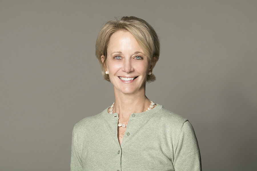 Today's guest: Deb Fallows - Deborah Fallows is a Fellow at New America. Since 2013, Fallows and her husband, the writer James Fallows, traveled by their single-engine propeller plane to small and mid-size towns in America, reporting on innovation of all sorts. Their 2018 book on the project, Our Towns: A 100,000-Mile Journey into the Heart of America, was a New York Times Bestseller. They are currently in production with HBO on a documentary based on their book. Fallows grew up in small-town Ohio. She previously worked at the Pew Research Center, Georgetown University, and Oxygen Media.