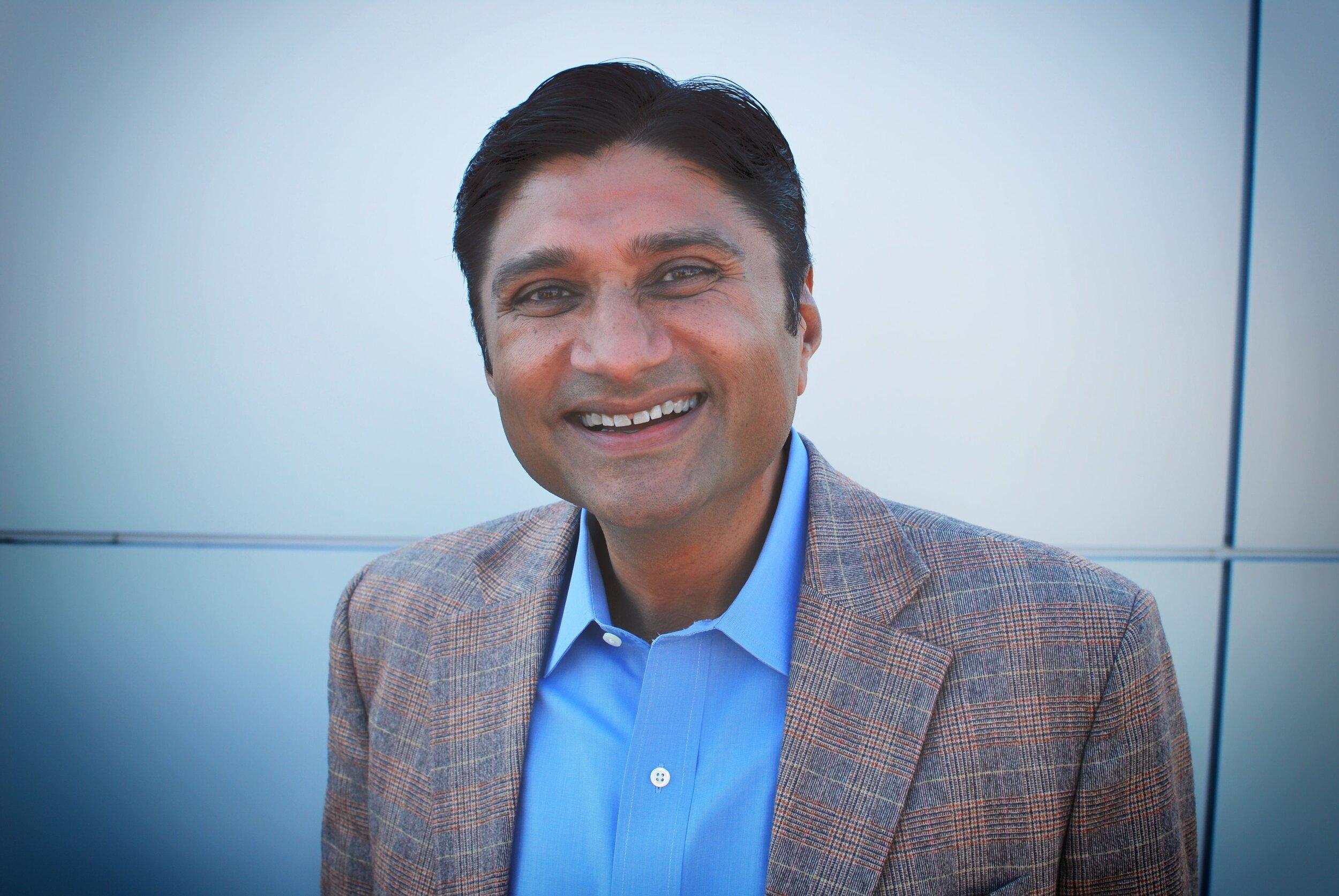Apurv Gupta Headshot.JPG