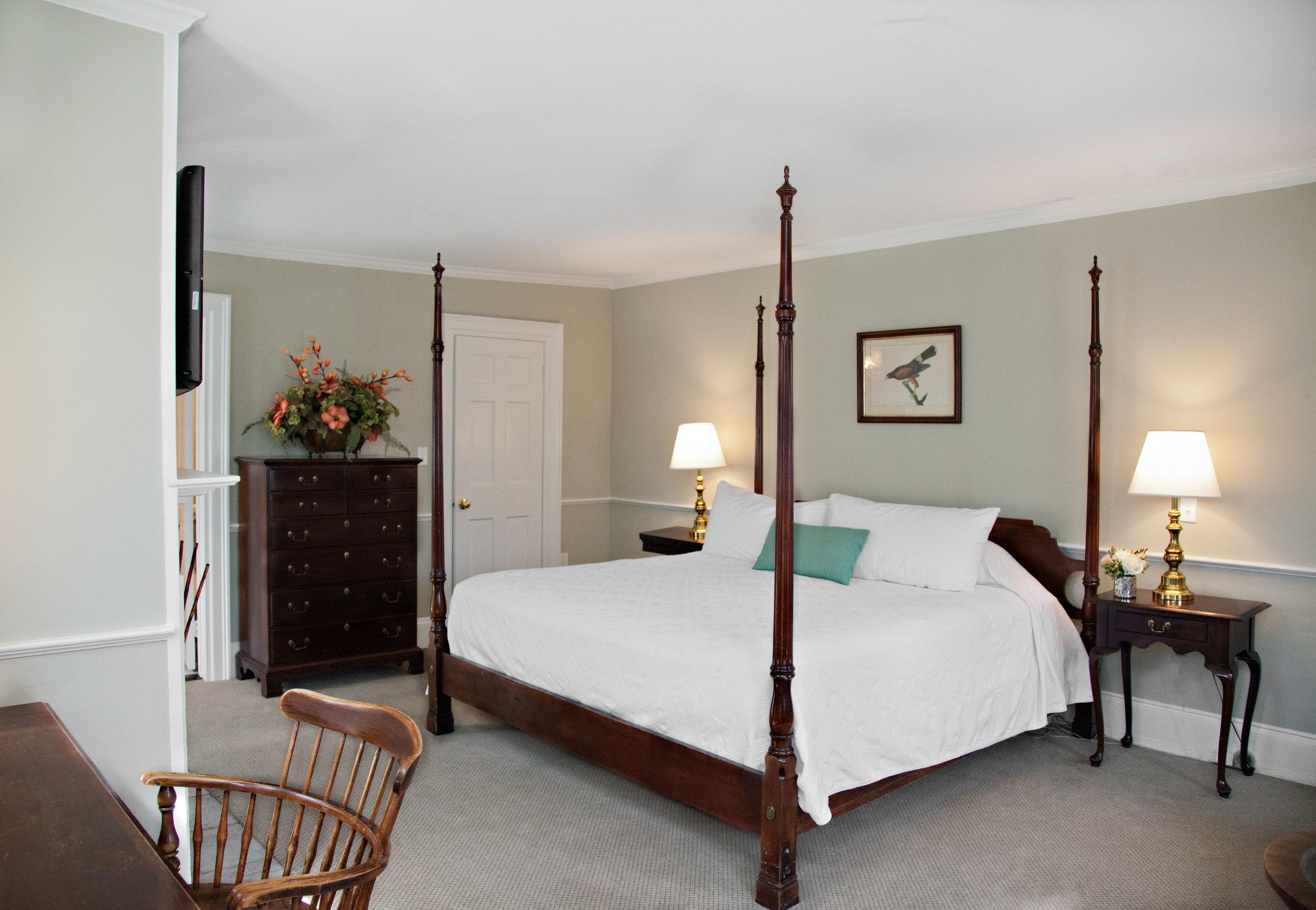 Historic King Hotel, private bath