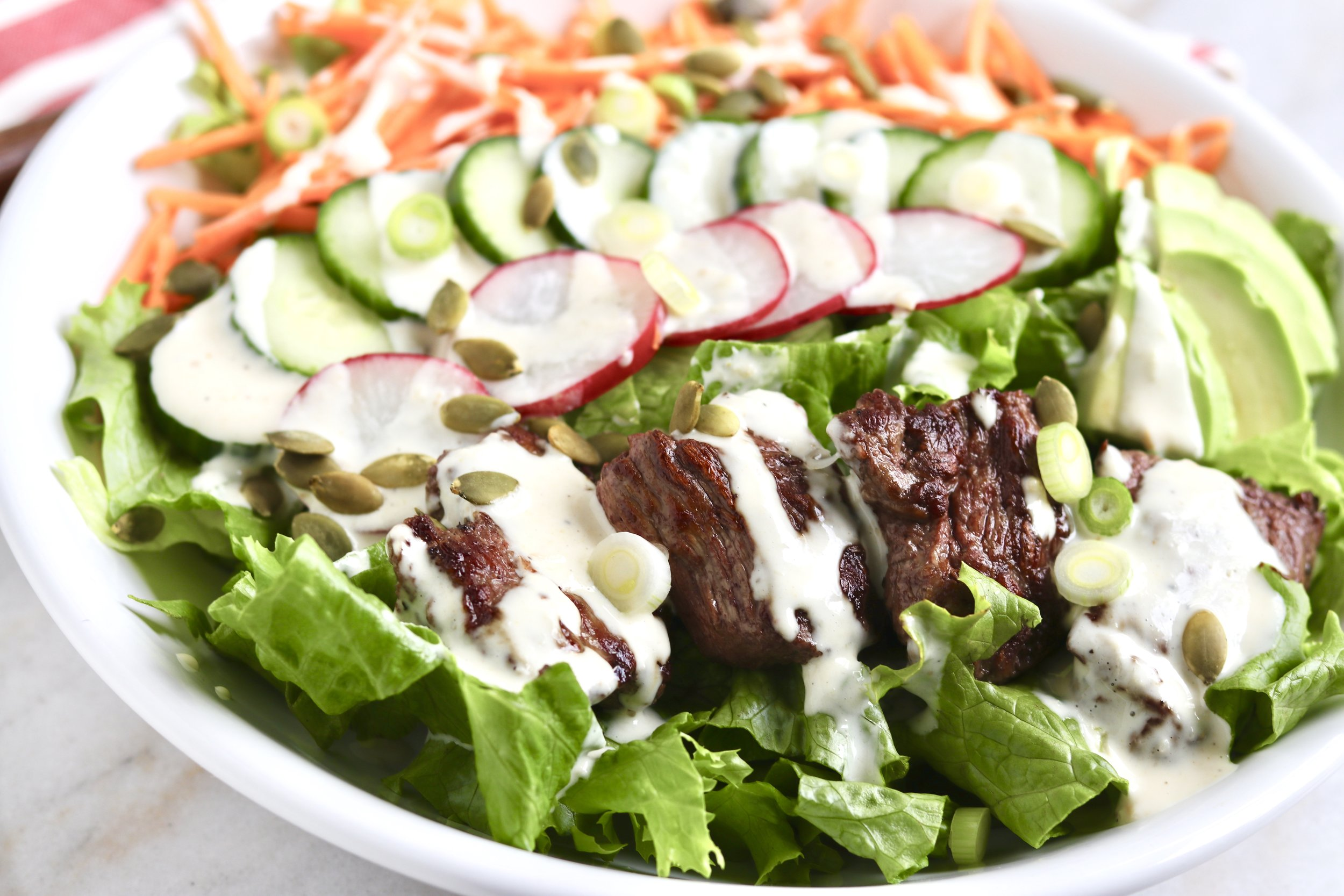 Steak Salad with Creamy Garlic Horseradish Dressing by I'd Eat That Food