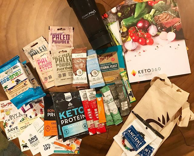 @paleofx GIVEAWAY!! I got to go to the PaleoFX conference in #Austin today.  It was so great, and I got tons of swag, which I'm gonna pass on to YOU 😘 I've got so many great things for you to try like protein powders, Keto protein, turmeric tonic, meat sticks, spices, seaweed snacks, a super cool shaker bottle (with spots for supplements and protein powder), diffuser bracelets, probiotics, and some great coupons.  They come from companies like @seasnax @ancientnutrition @chomps @thrivemarket @furtherfood @drinklmnt @gardenoflife @bobsredmill @primalkitchenfoods @paleopowder  I meeeeeannnn, who wouldn't want to win this???? So win it all by liking my last 3 posts, and then tagging as many friends below as you want (one tag per post). I'll pick a winner on Monday, 4/29. Good luck!