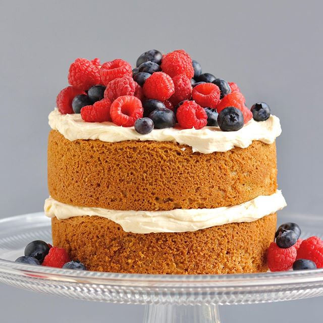 It is summer berry season and Mother's Day is around the corner!  I think it's the perrrrfect time for this divine Grain-Free Lemon Berry Cake with Lemon Buttercream 😍😍😍 Don't fight the urge. You know you wanna make this for your mama (or yourself) this weekend! You can even make a cupcake version if a double layer cake is too daunting. Get the recipe at the link in my profile.  #yum #paleo #grainfree #lemoncake #lemonberry #spring #mothersday #nutritionaltherapist #nutritionaltherapy #cake #glutenfree #butter #buttercream #sugar #treatyoself #formom #formothersday #mothersday2019