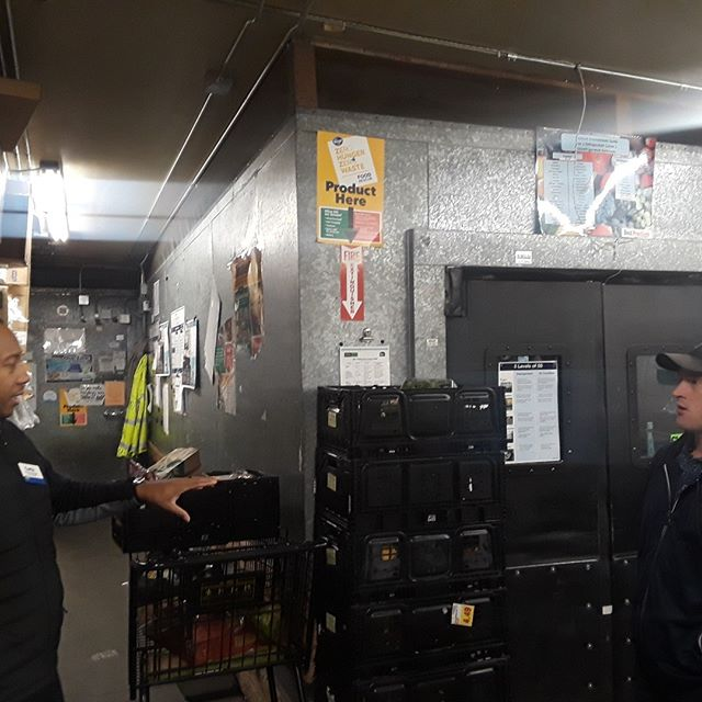 Introductions with 2 QFCs in Bellevue to expand our food rescue network to over 176+ donors. Here, Taran Graham, our Food In Motion Manager, speaks with a representative over where their food donations will kept for future pickups.  #foodrescue #seattle #pioneersquare #qfc #foodequity #nonprofit