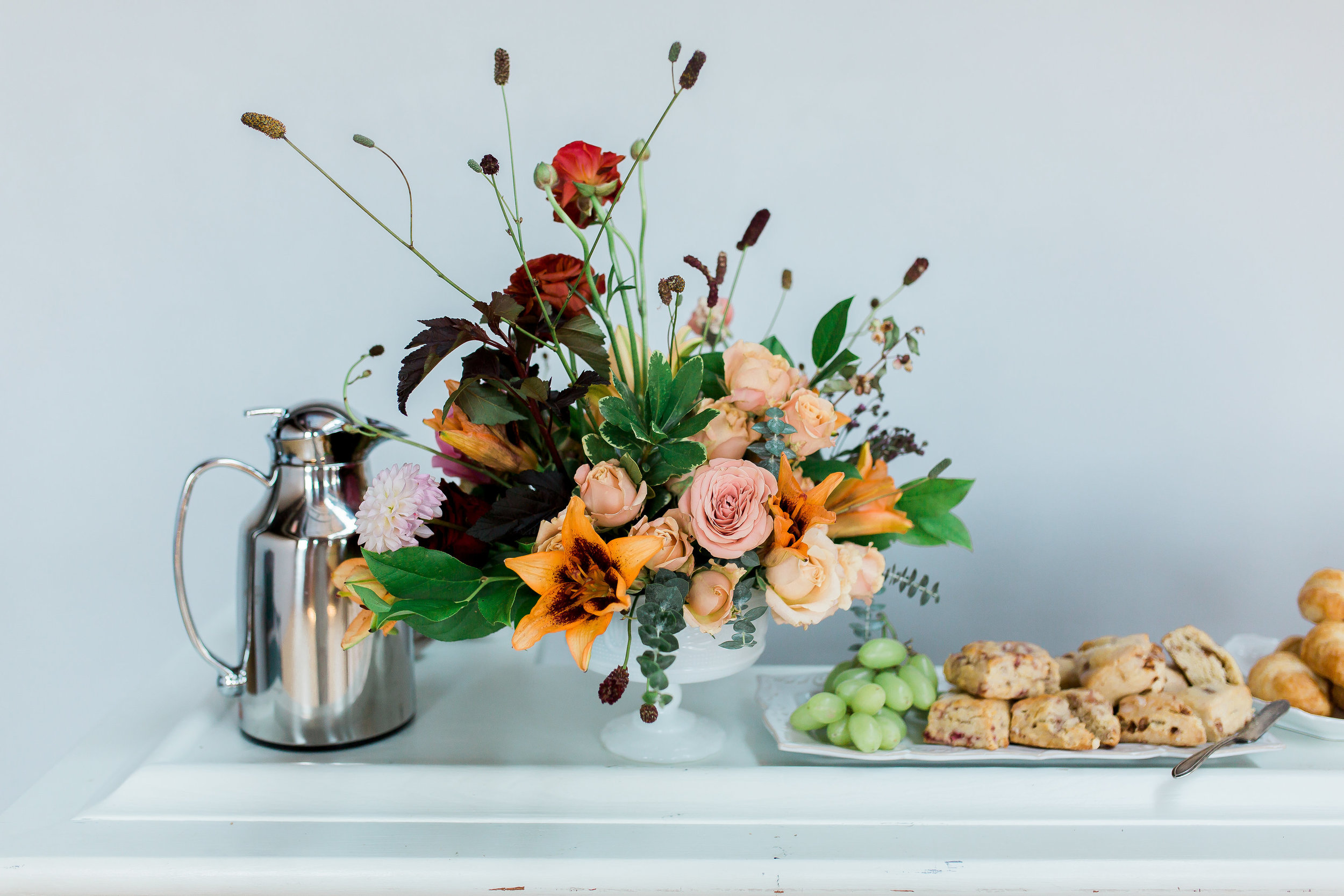 Kindred Photography Workshop , Florals by  The Wild Mother , Styling by  Linen and Rust , Photo by  Hazel and Haze Photography