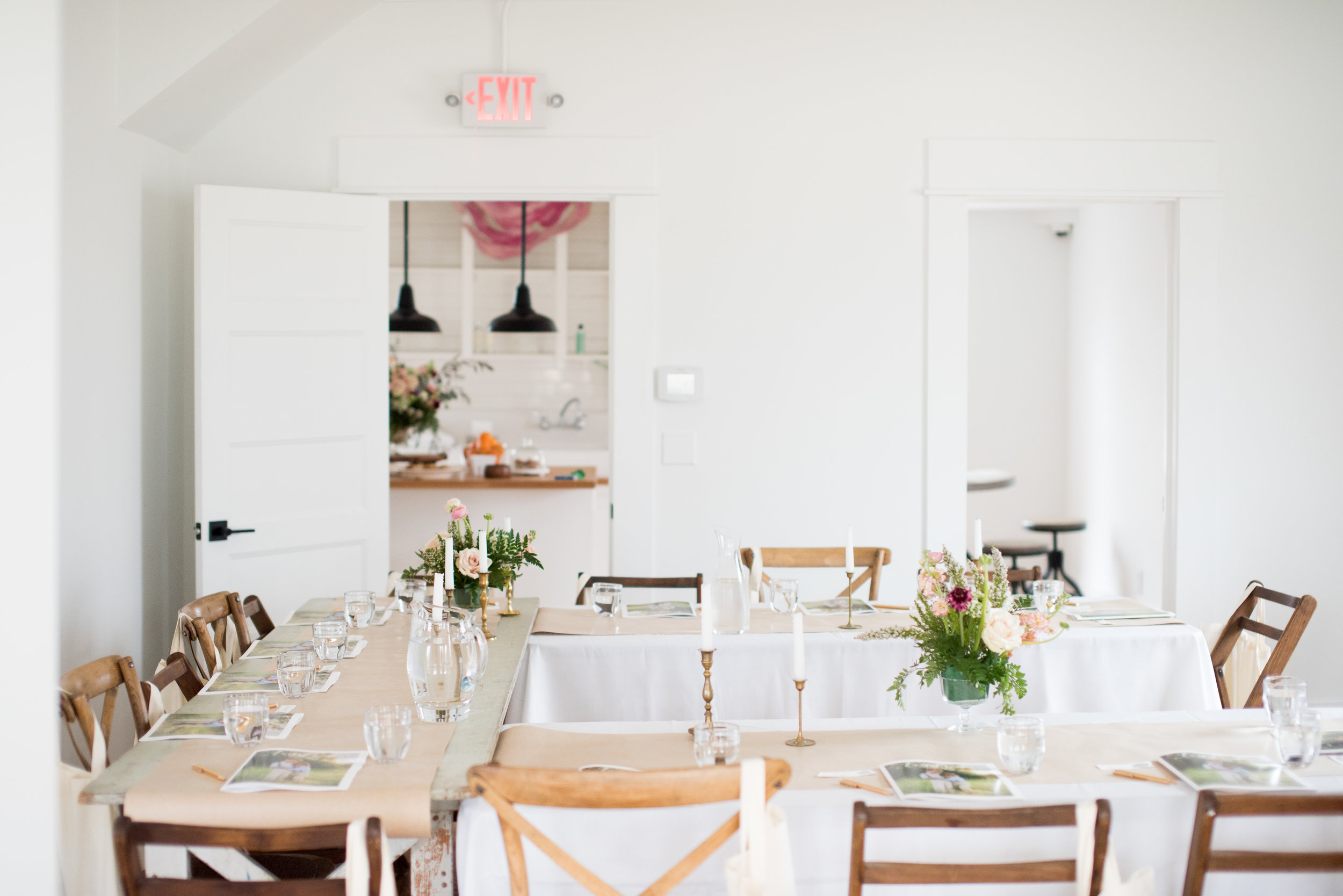 Kindred Photography Workshop styling by  Cortney McClure  , Florals by  Bloom House , Photo by  Kacey Gilpin