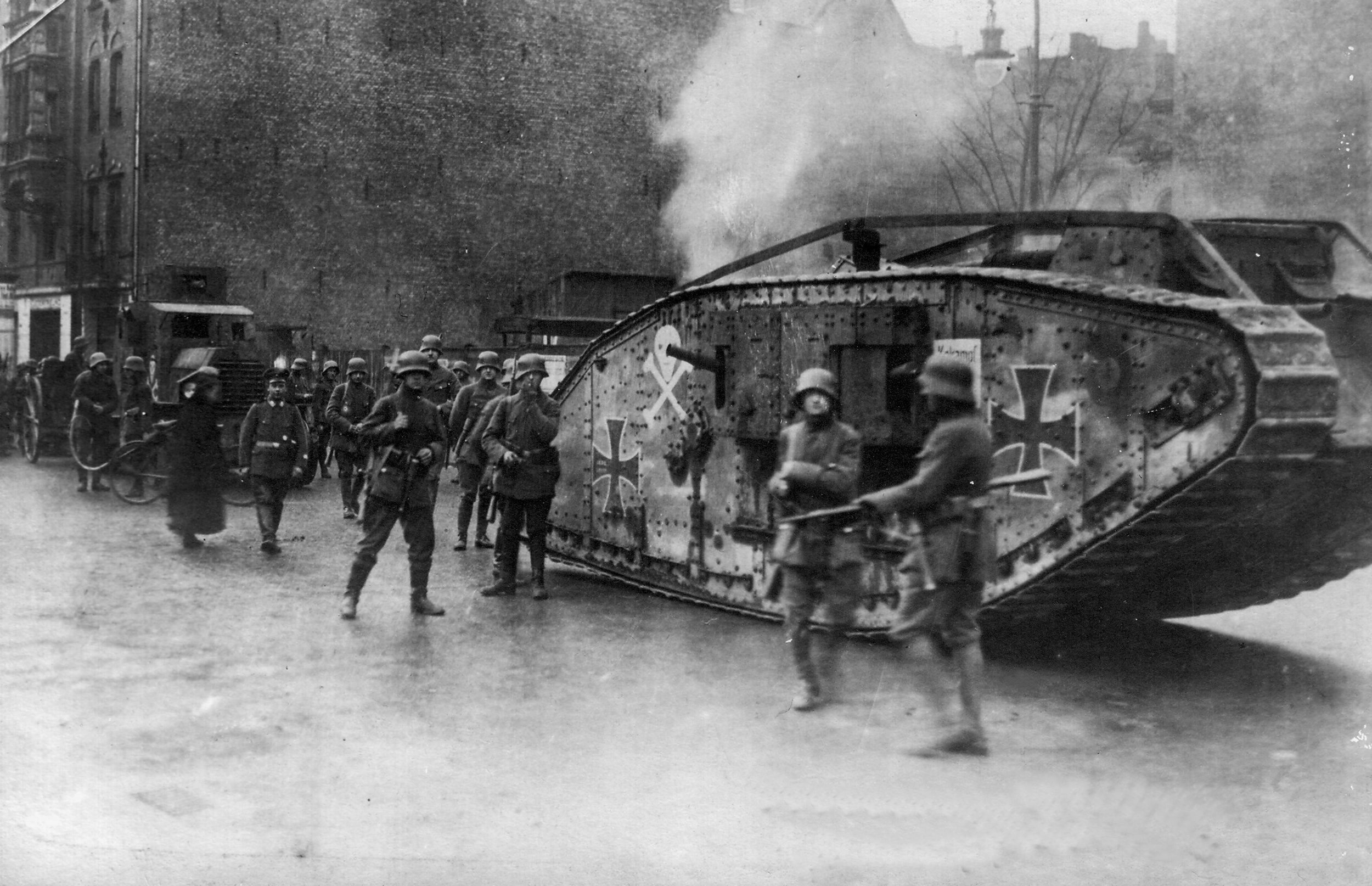 Often, the Germans would try to salvage British tanks because before 1918, they had none of their own. They would then use any captured tanks against the Allies of World War 1.