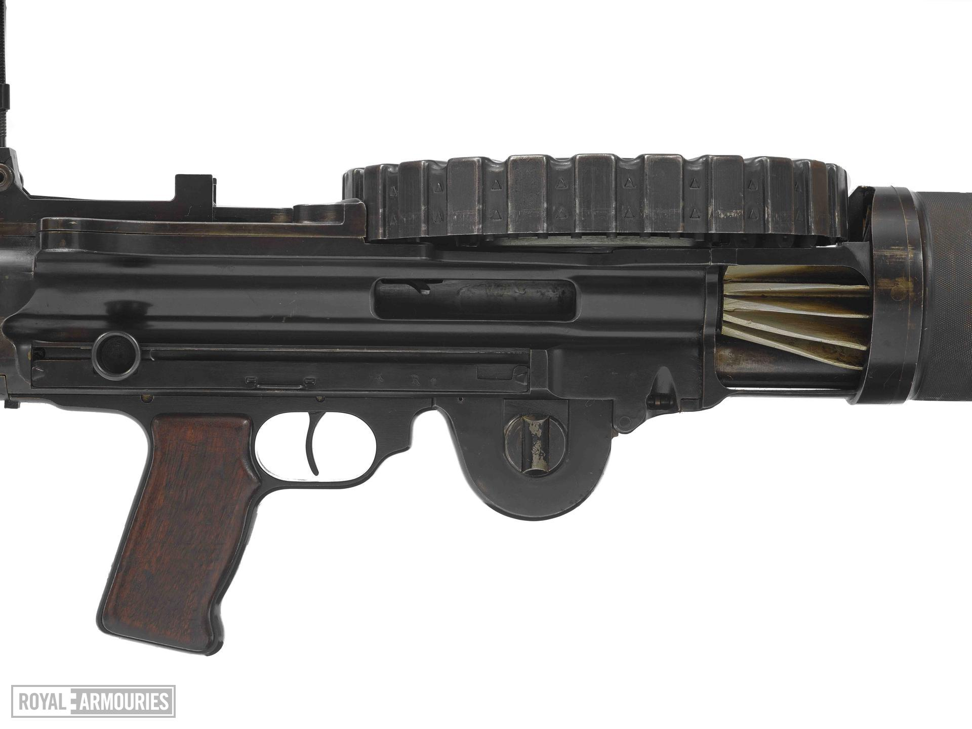 Lewis light machine gun, Mark I (1913)(2).jpg