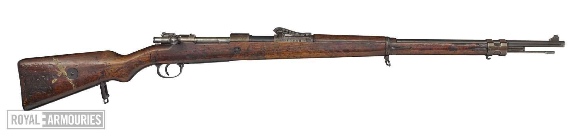 Centrefire bolt-action rifle - Mauser Gewehr 98 (about 1916)(1).jpg
