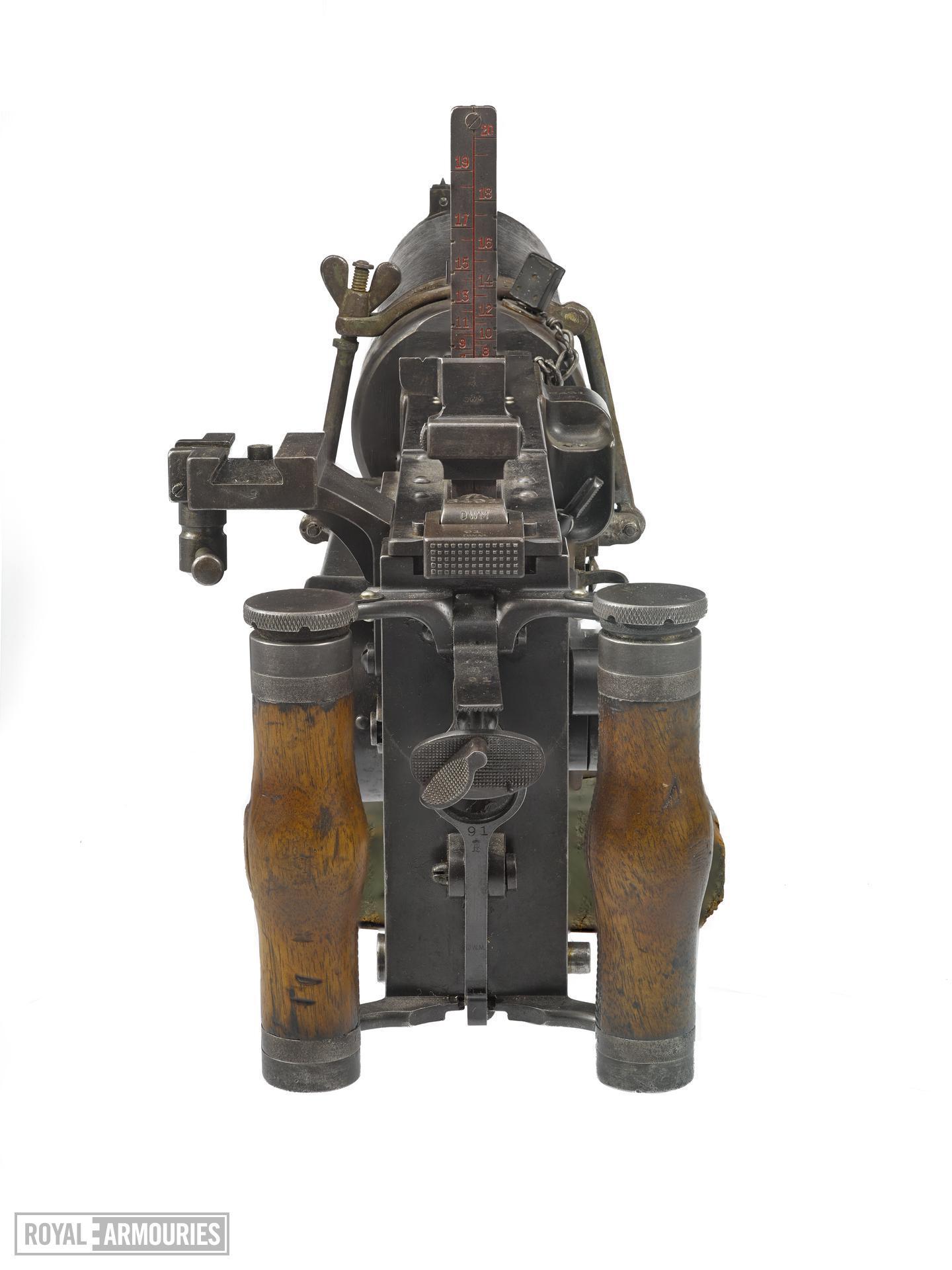 Maxim MG 08 machine gun (1908).jpg