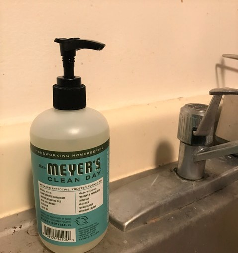 Set up next to my kitchen sink- The perfect kitchen scent
