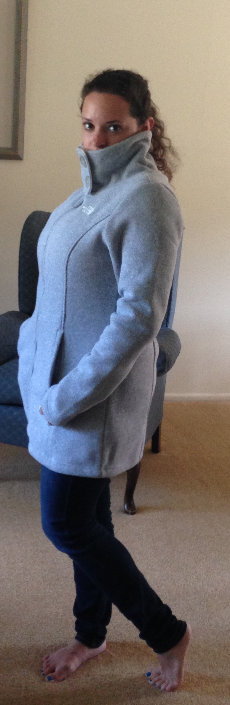A silly picture showing the collar buttoned up, but then I turned sideways and didn't show the buttons... :-/