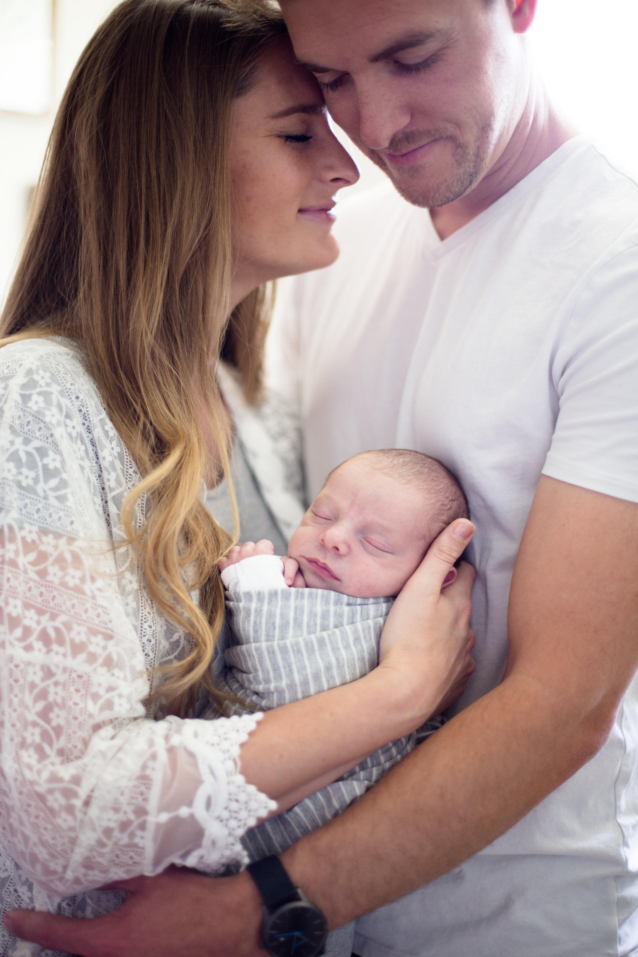 Elias Newborn-39.jpg