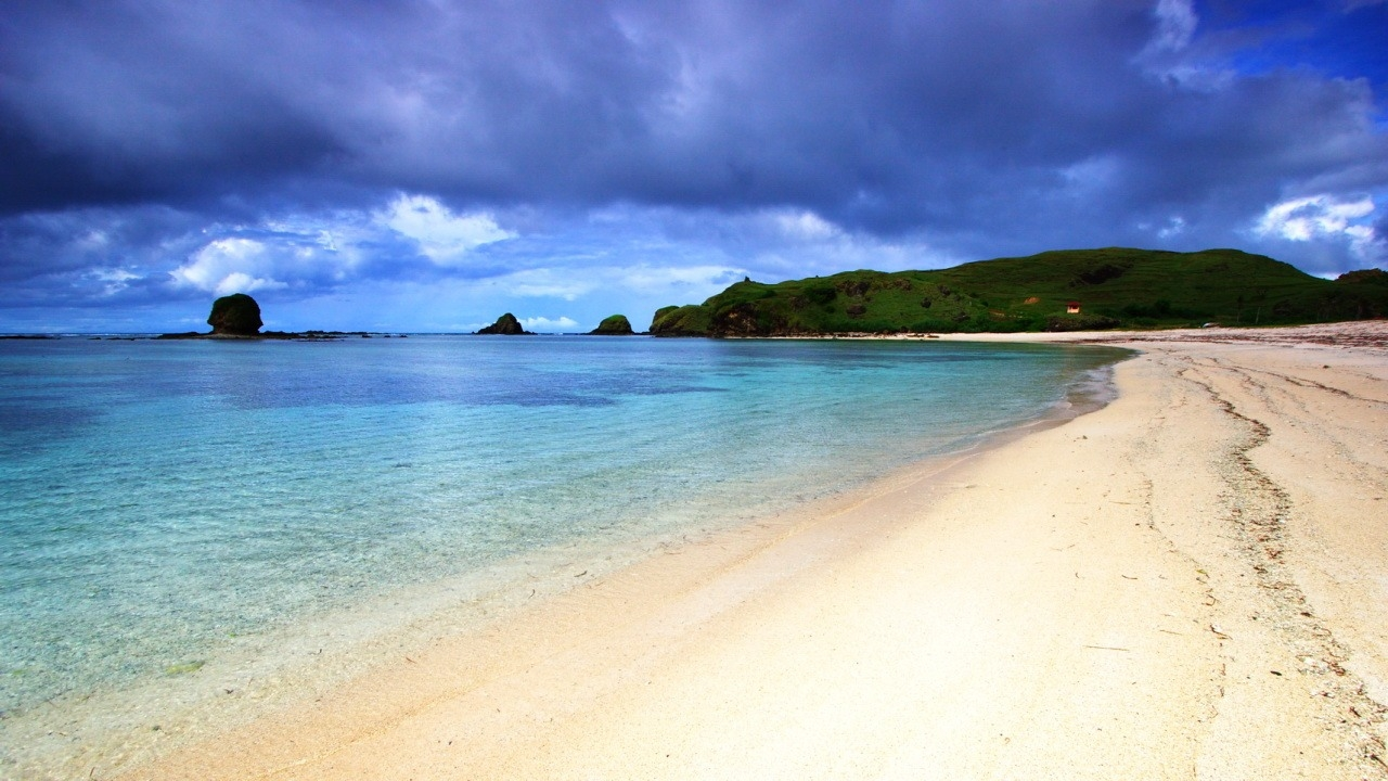 10-most-beautiful-ubud-beach-traveller.jpg