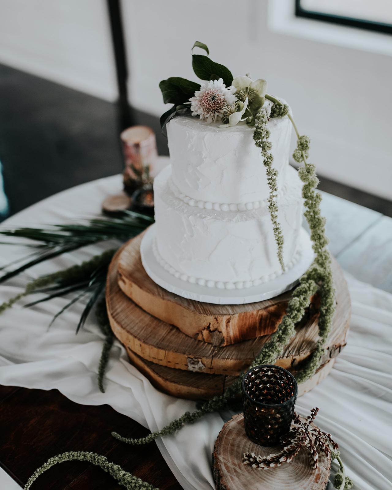 Dream Point Ranch Tulsa Wedding Venue Modern Bride 2.jpg