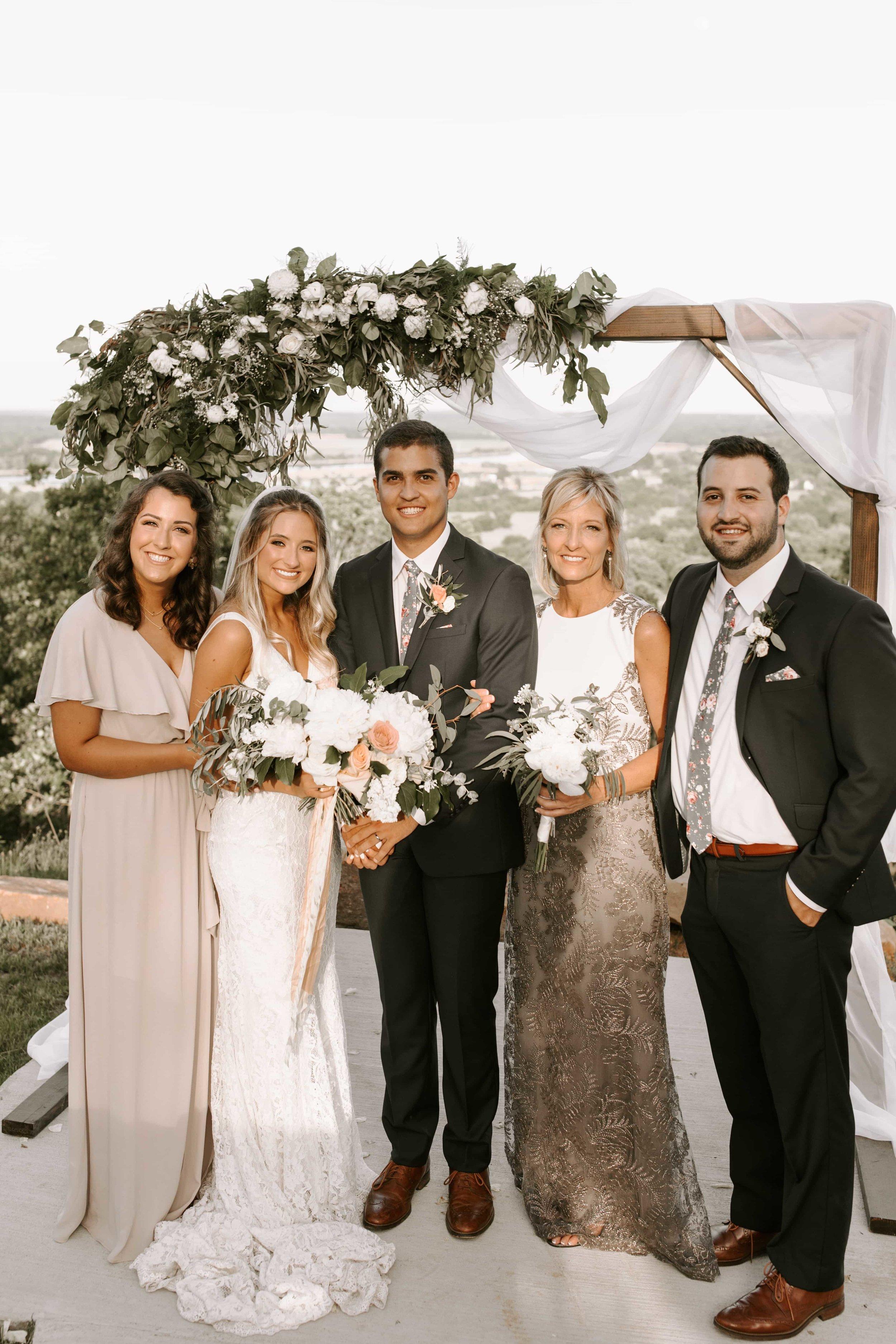grooms family tulsa wedding venue-min.jpg