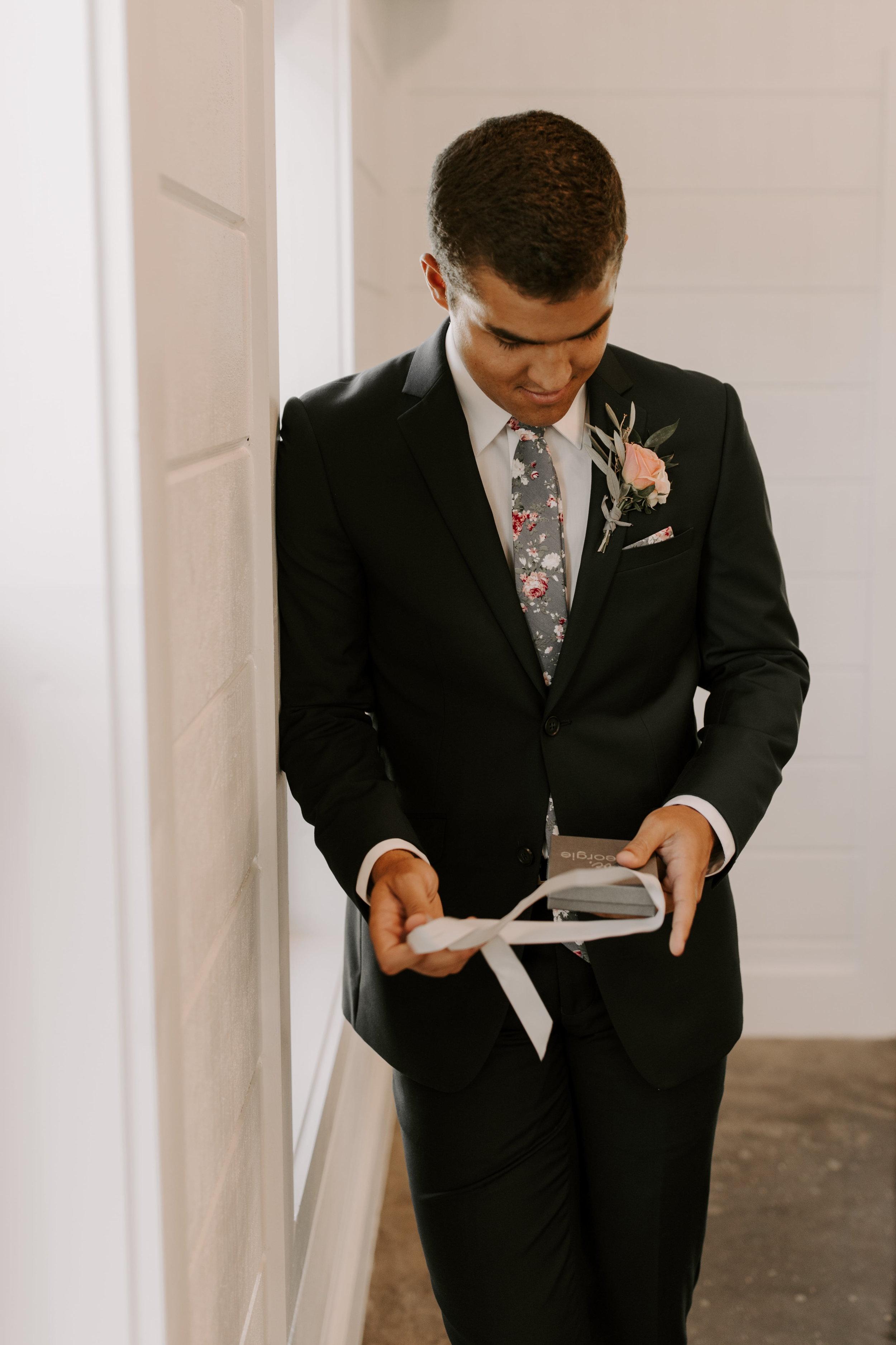grooms gift tulsa wedding venue-min.jpg