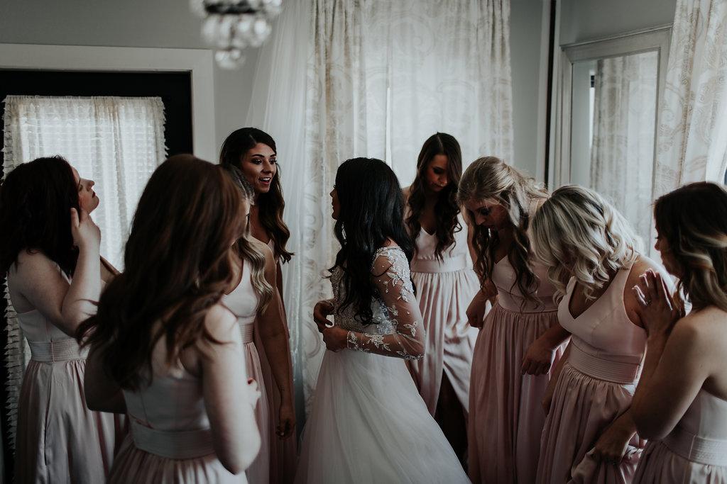 Tulsa Wedding Venue brides room with bridesmaids.jpg