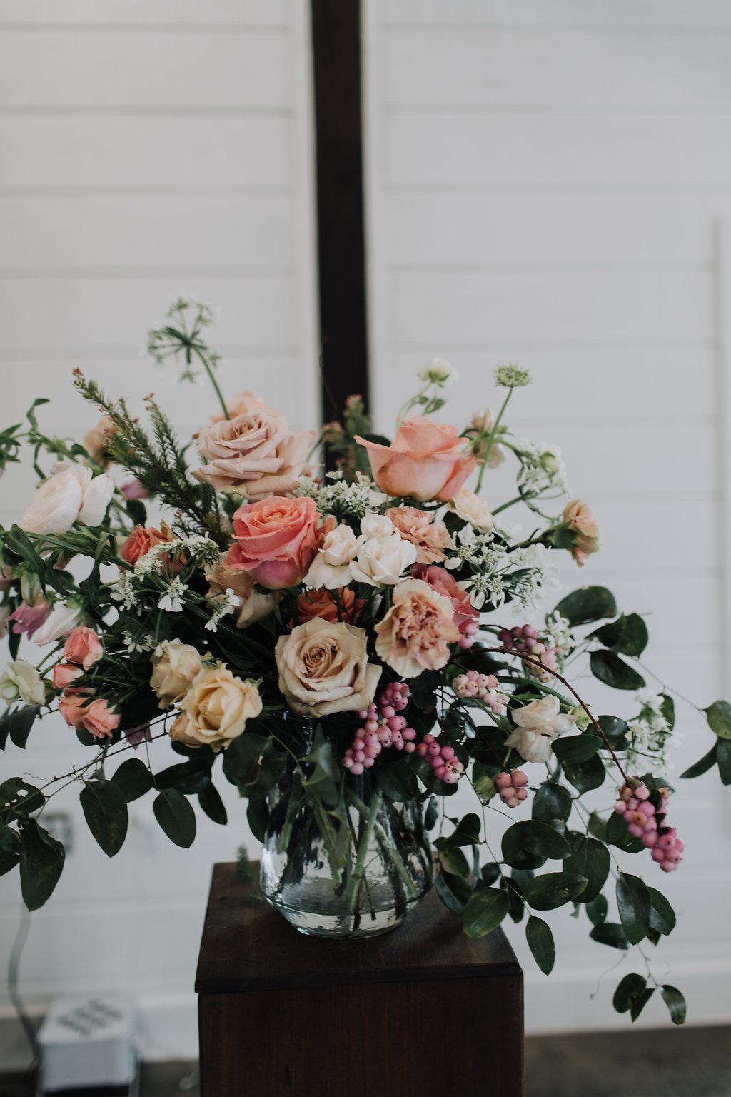 tulsa wedding venue flowers.jpg