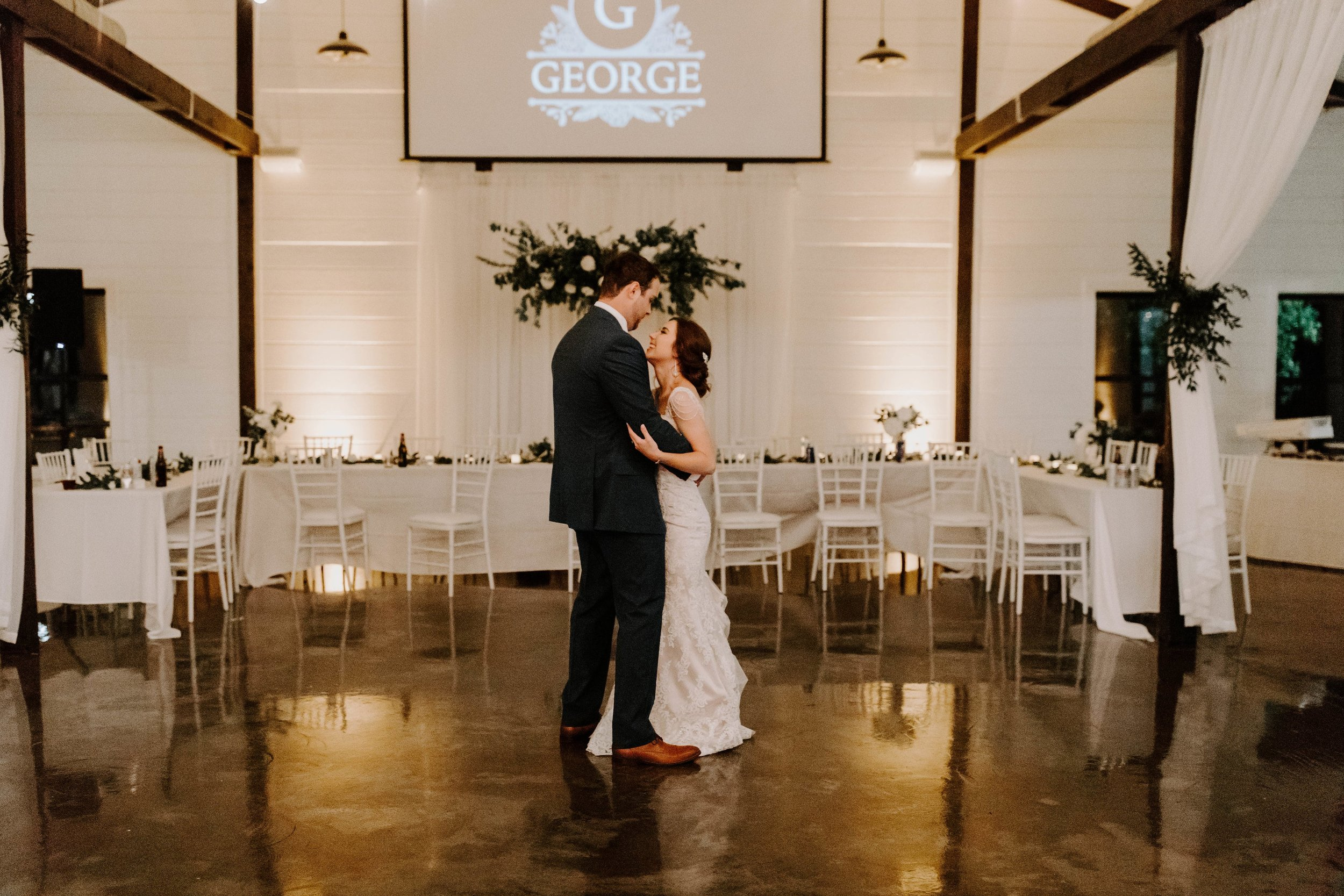 couples last dance tulsa wedding venue-min.jpg
