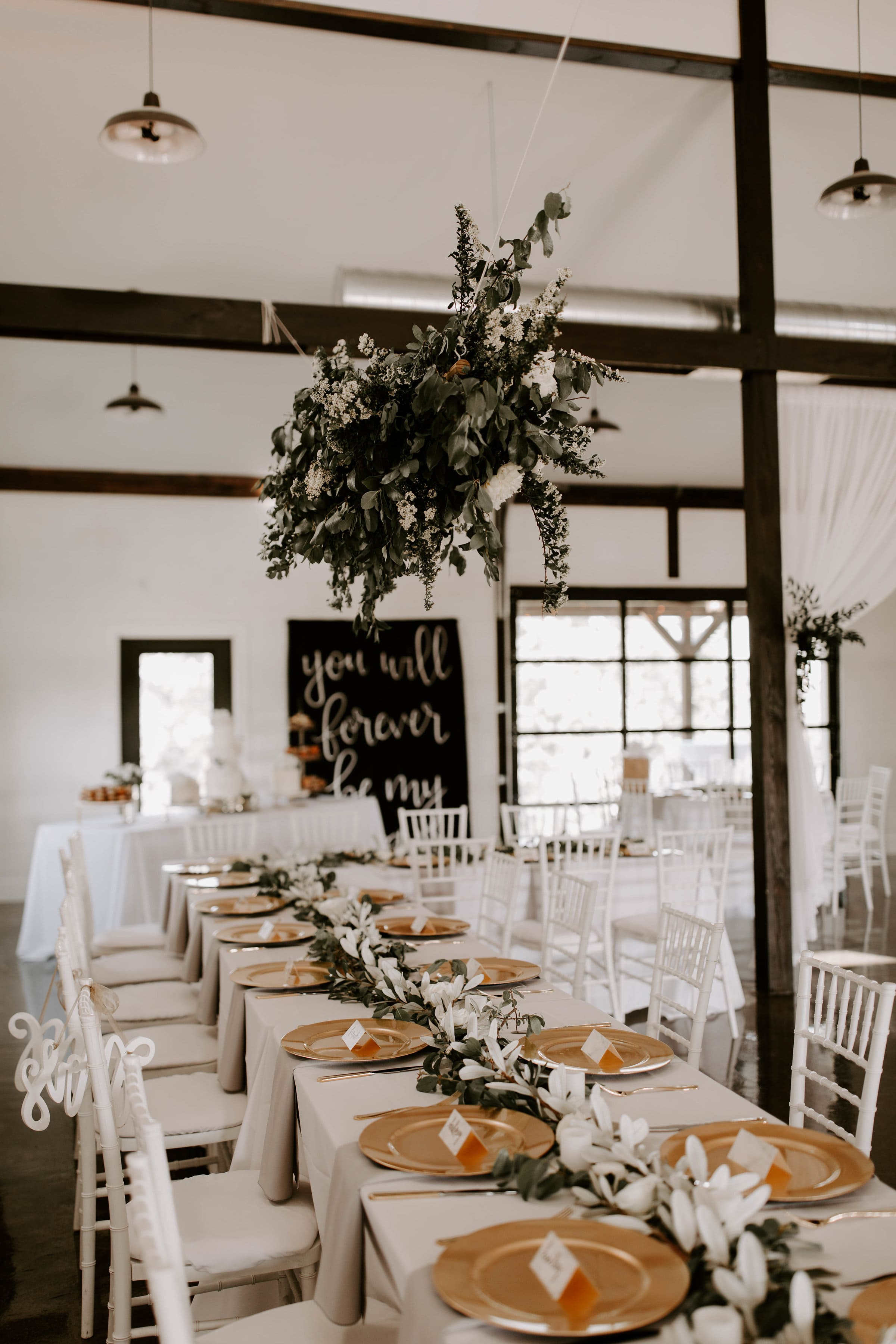 head table tulsa wedding venue-min.jpg