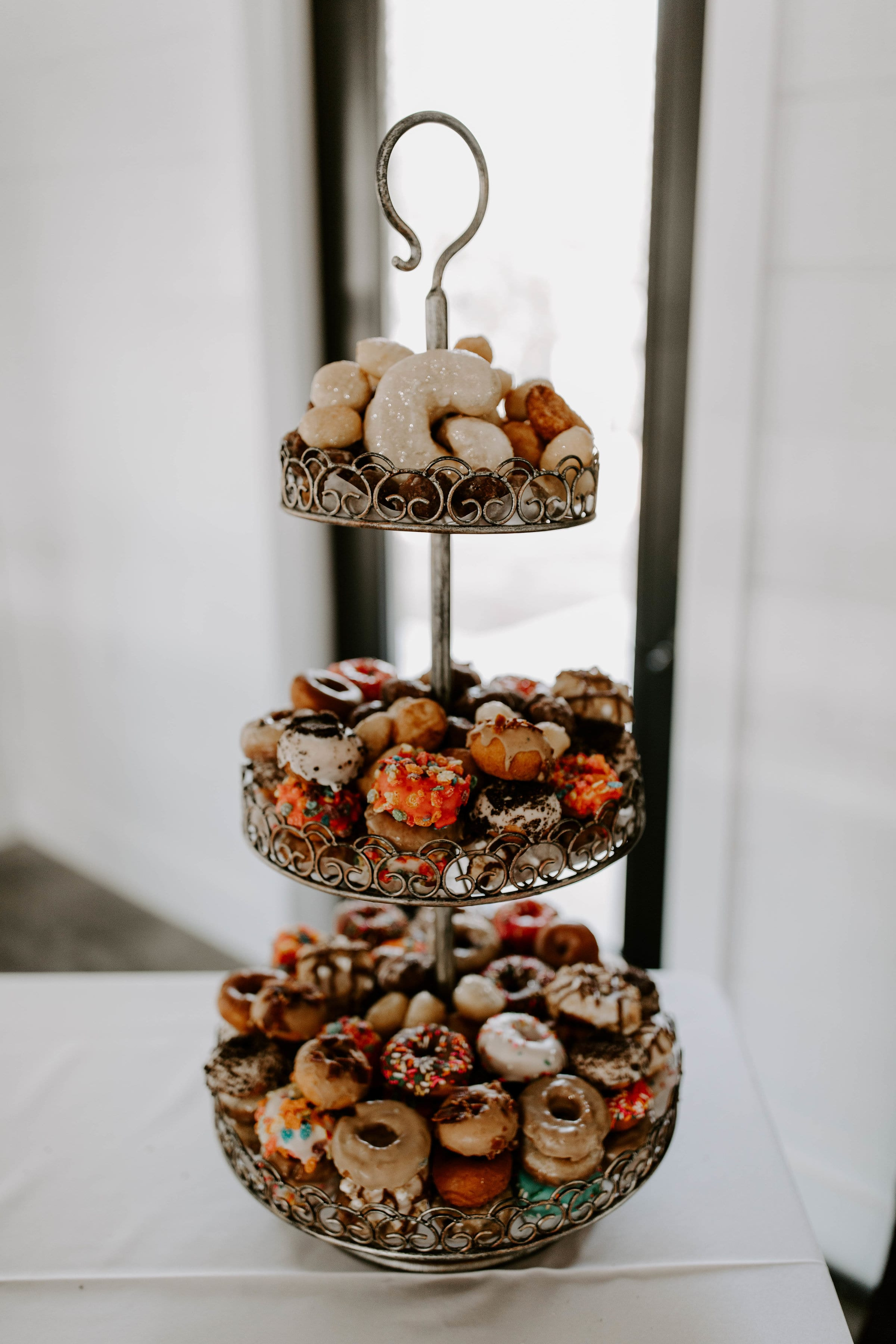 wedding donuts-min.jpg
