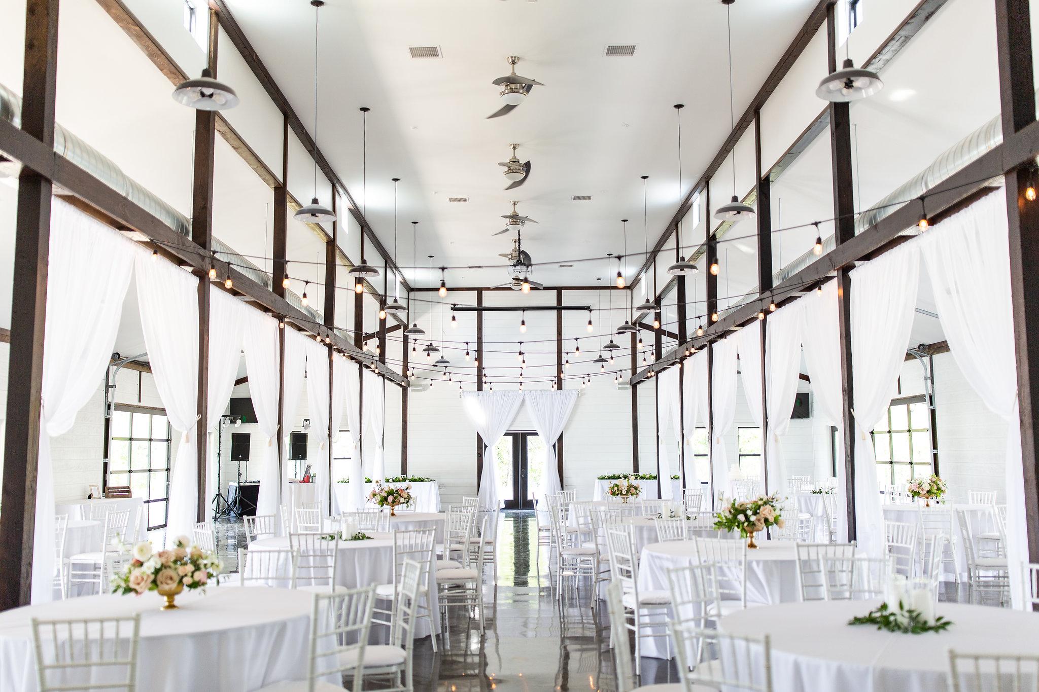 tulsa wedding venue white barn 13.jpg