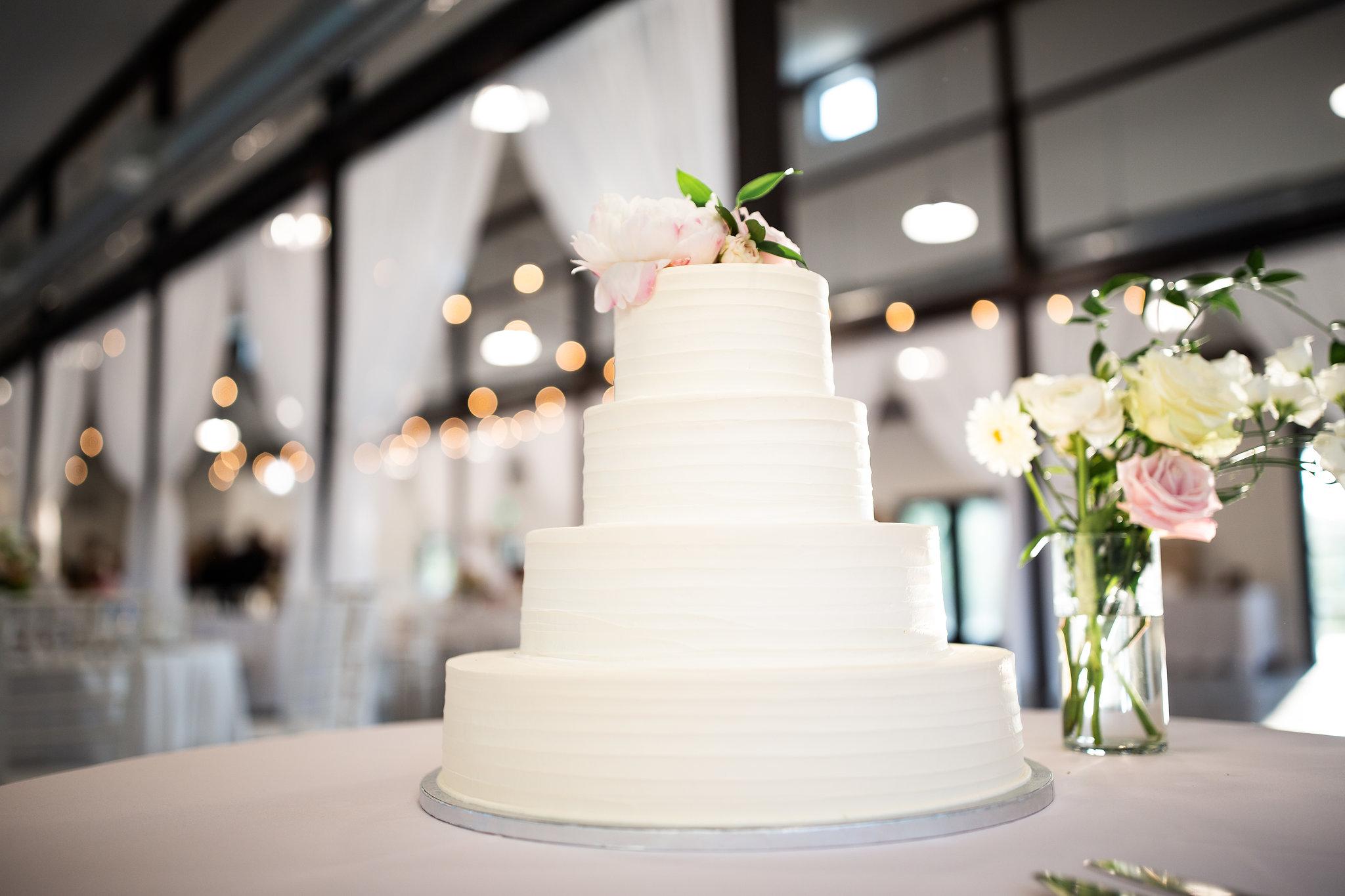 tulsa wedding venue white barn 105.jpg