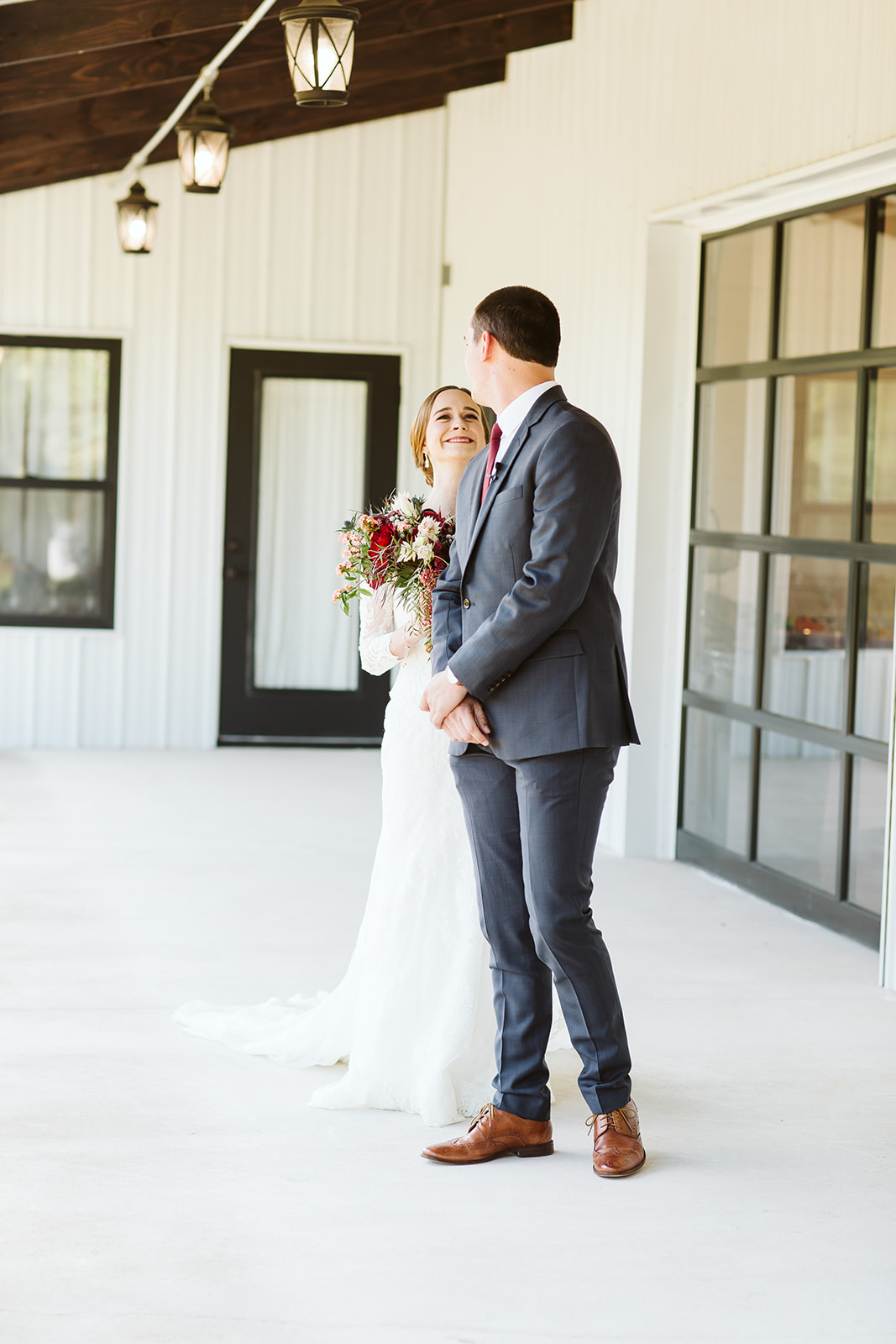 Tulsa Wedding Venue White Barn Dream Point Ranch 27.jpg