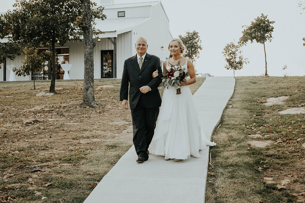 Dream Point Ranch Tulsa Wedding Venue 11a.jpg