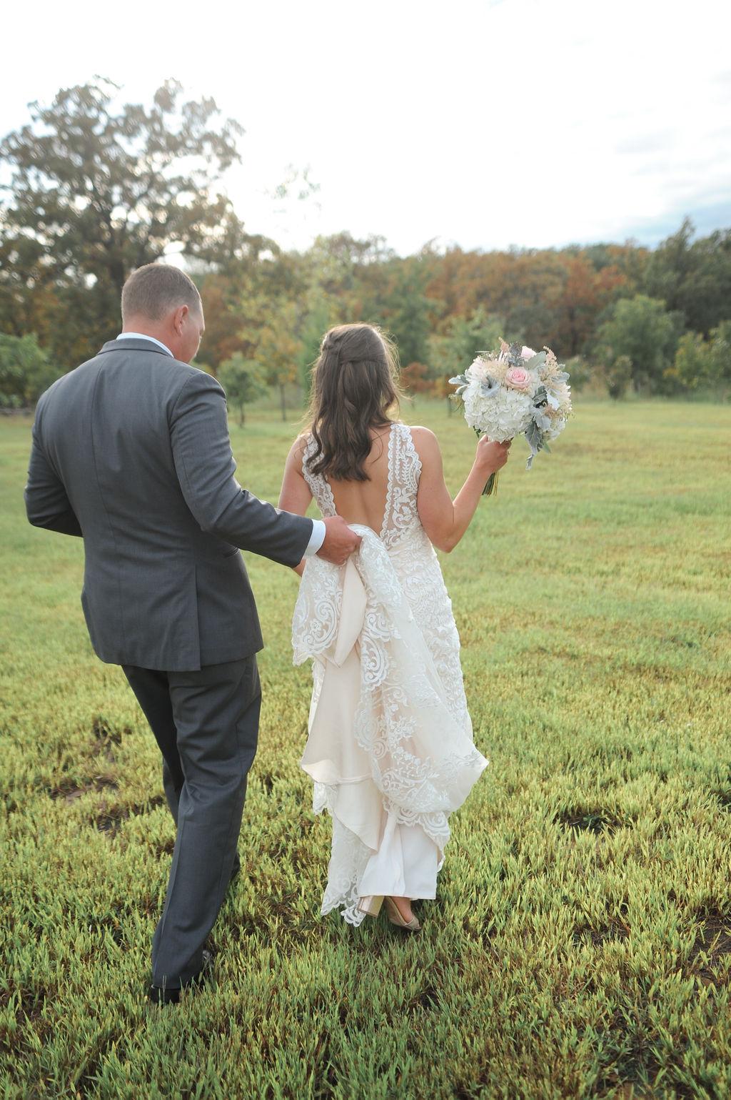 Wedding Venue Bixby Tulsa White Barn 20.jpg