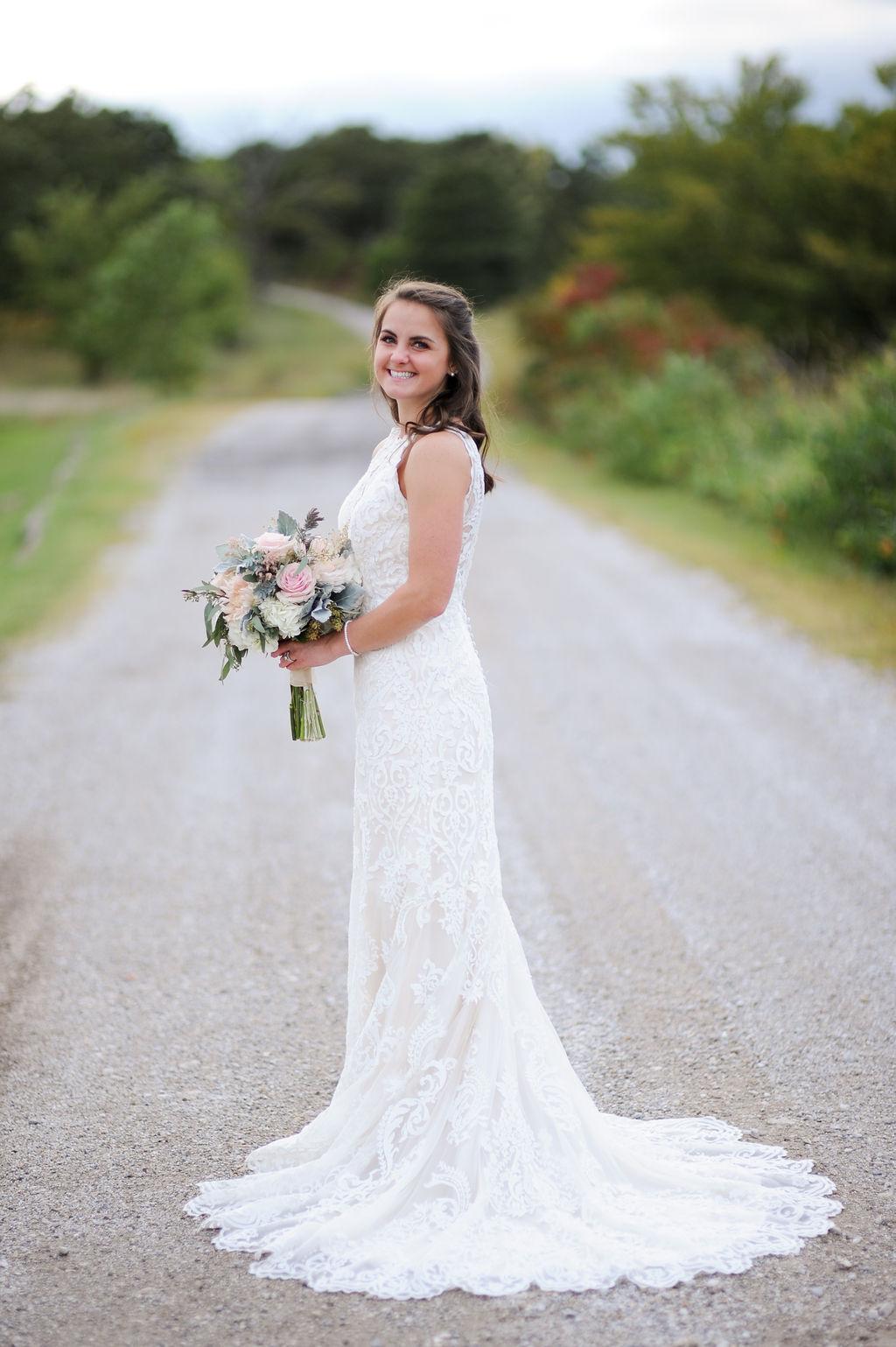 Wedding Venue Bixby Tulsa White Barn 26.jpg