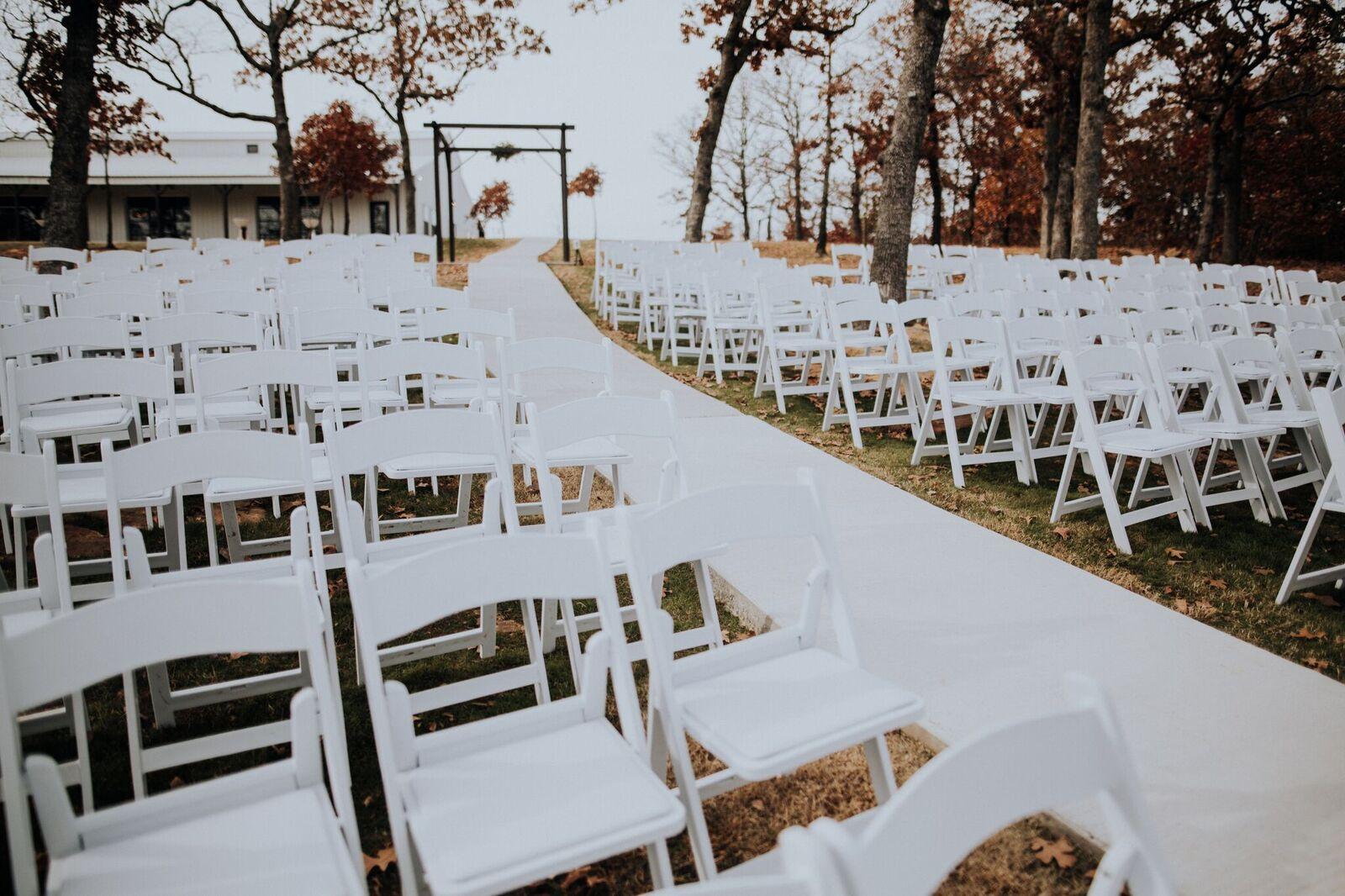 Tulsa Wedding Venue White Barn 00a.jpg