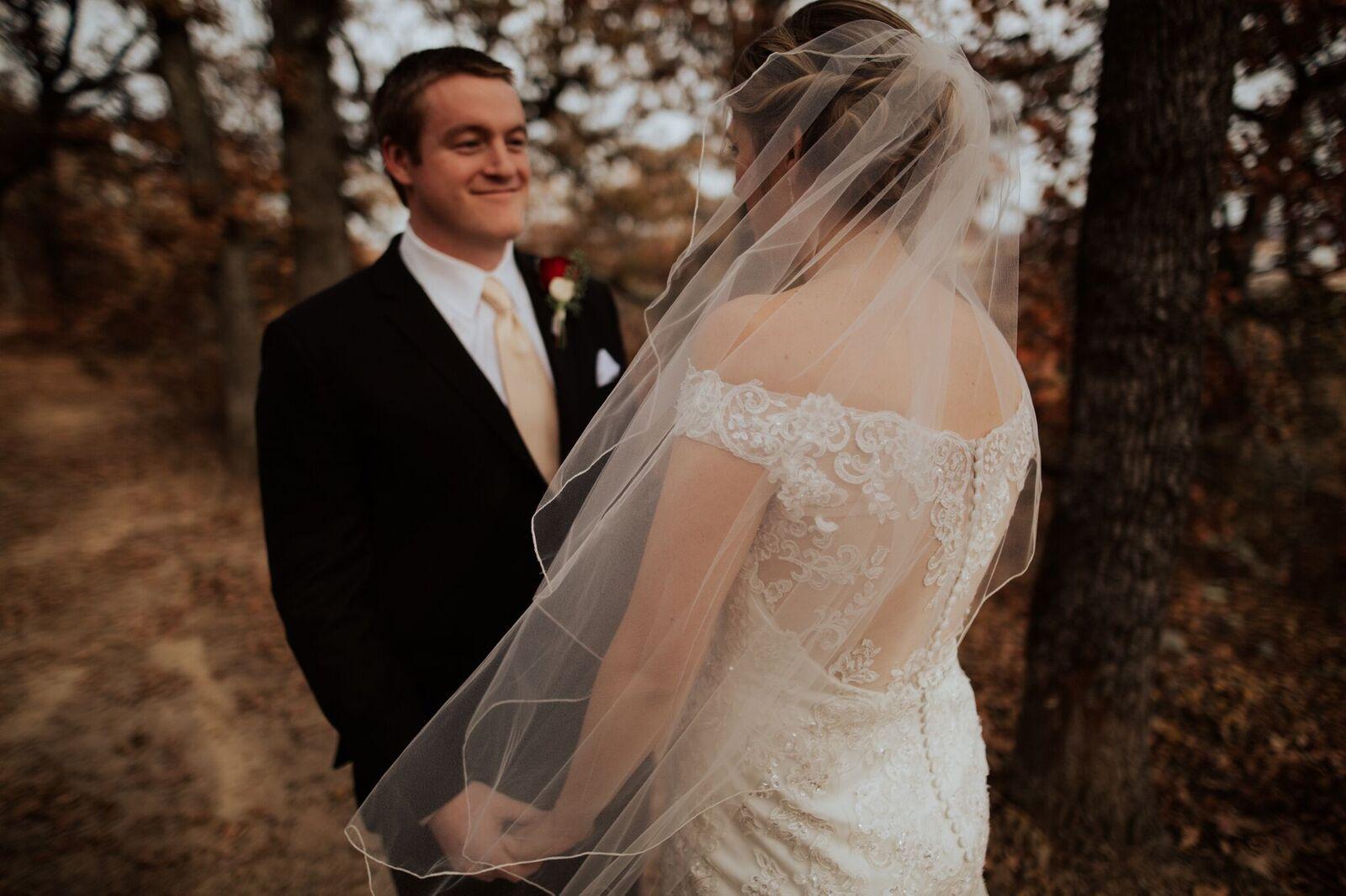 Tulsa Wedding Venue White Barn 9b.jpg
