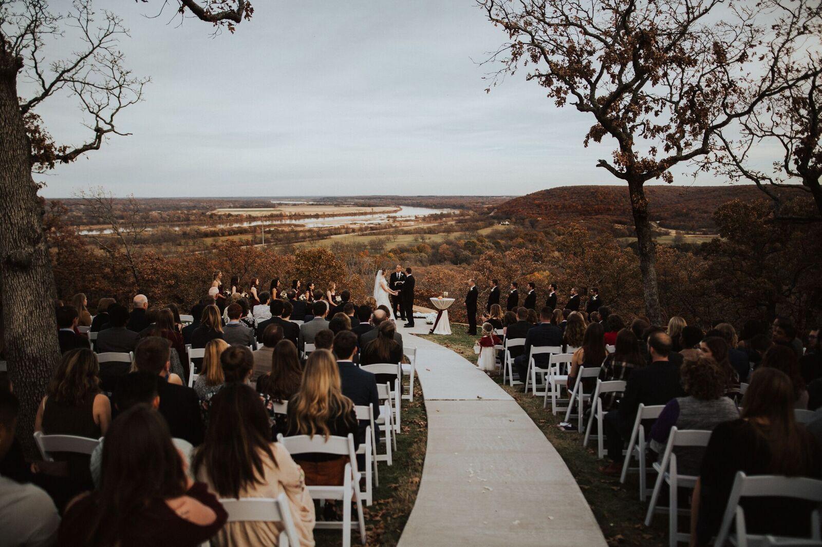 Tulsa Wedding Venue White Barn 17c.jpg