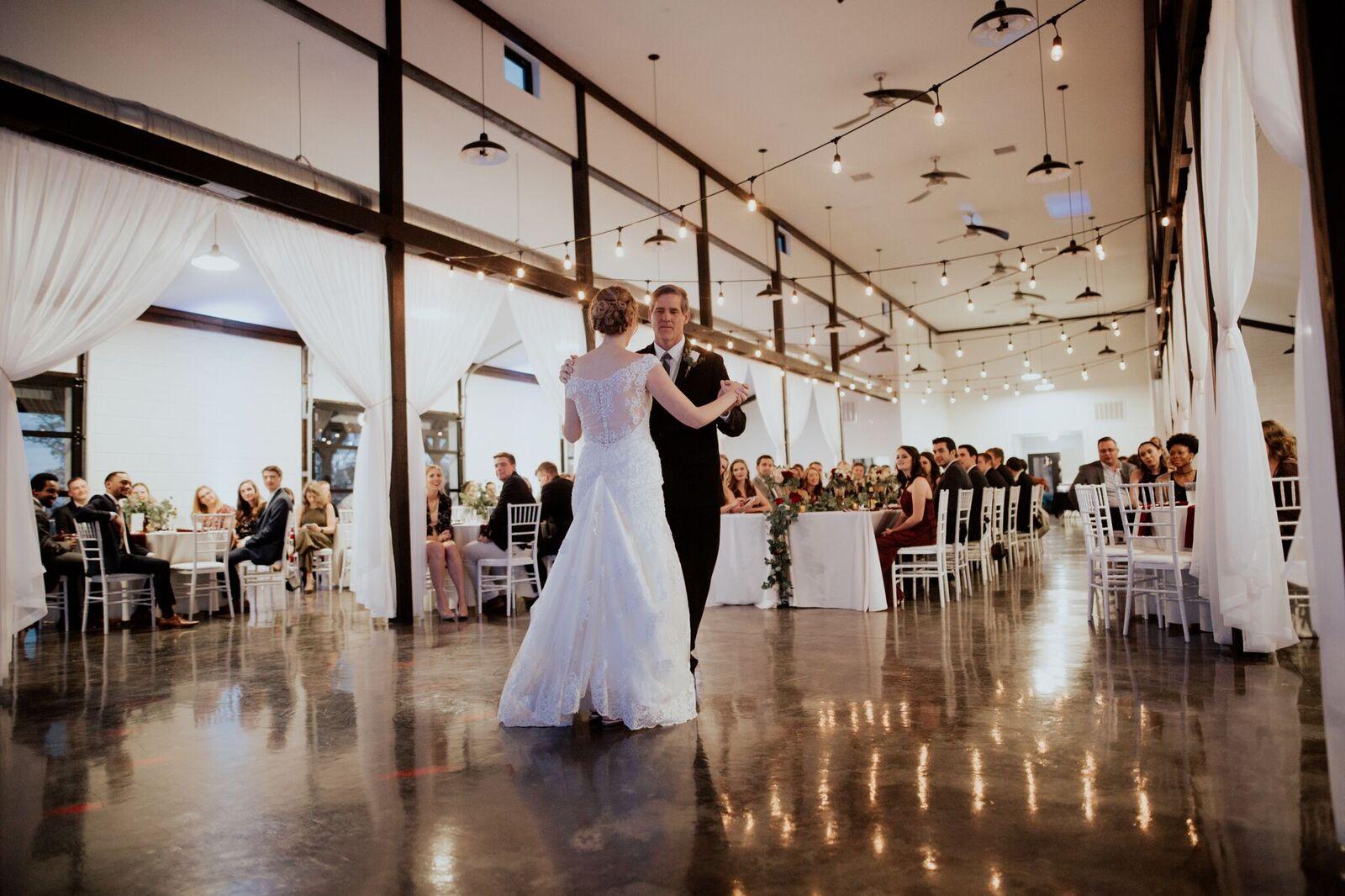Tulsa Wedding Venue White Barn 20a.jpg