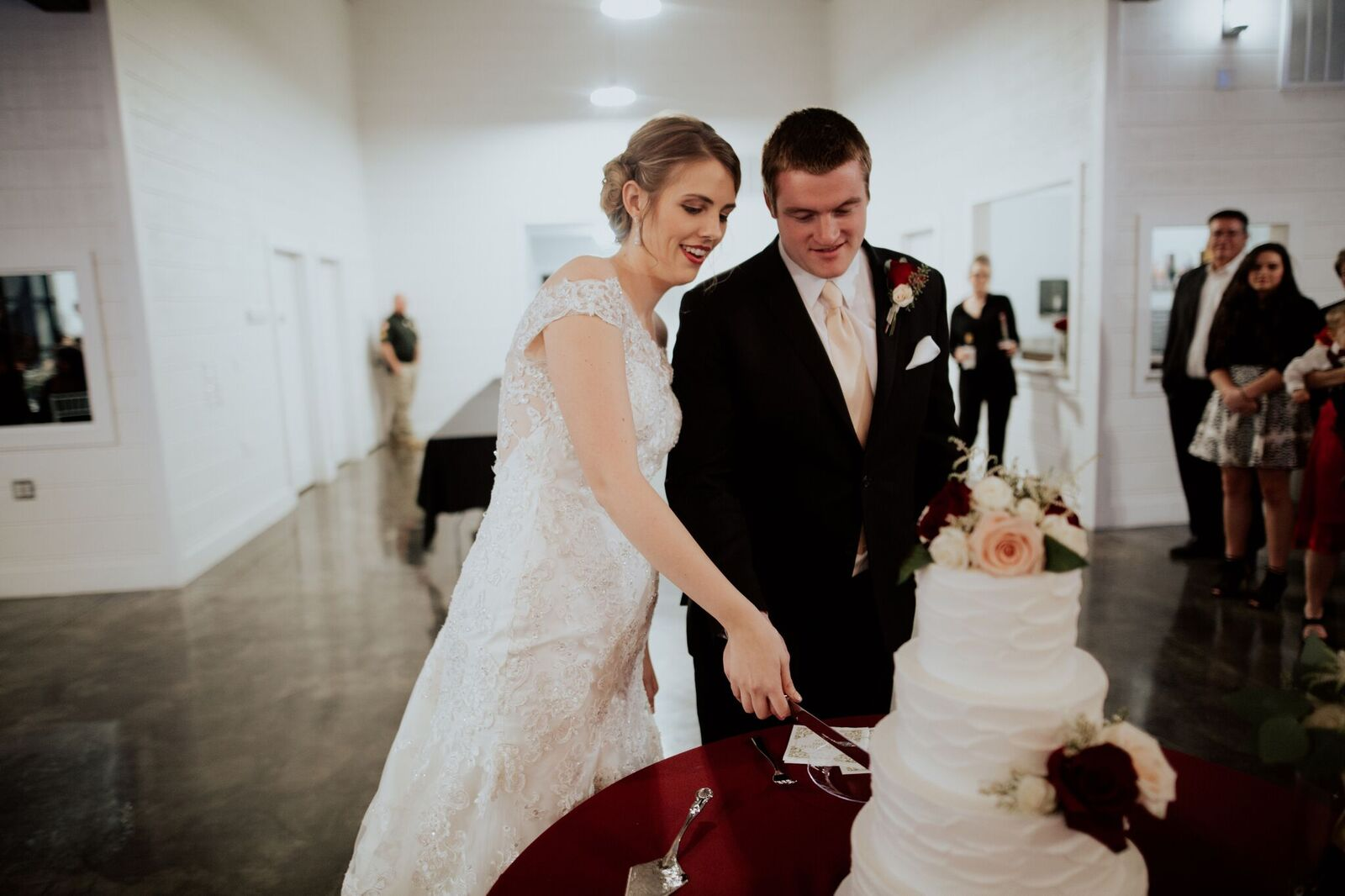 Tulsa Wedding Venue White Barn 22.jpg